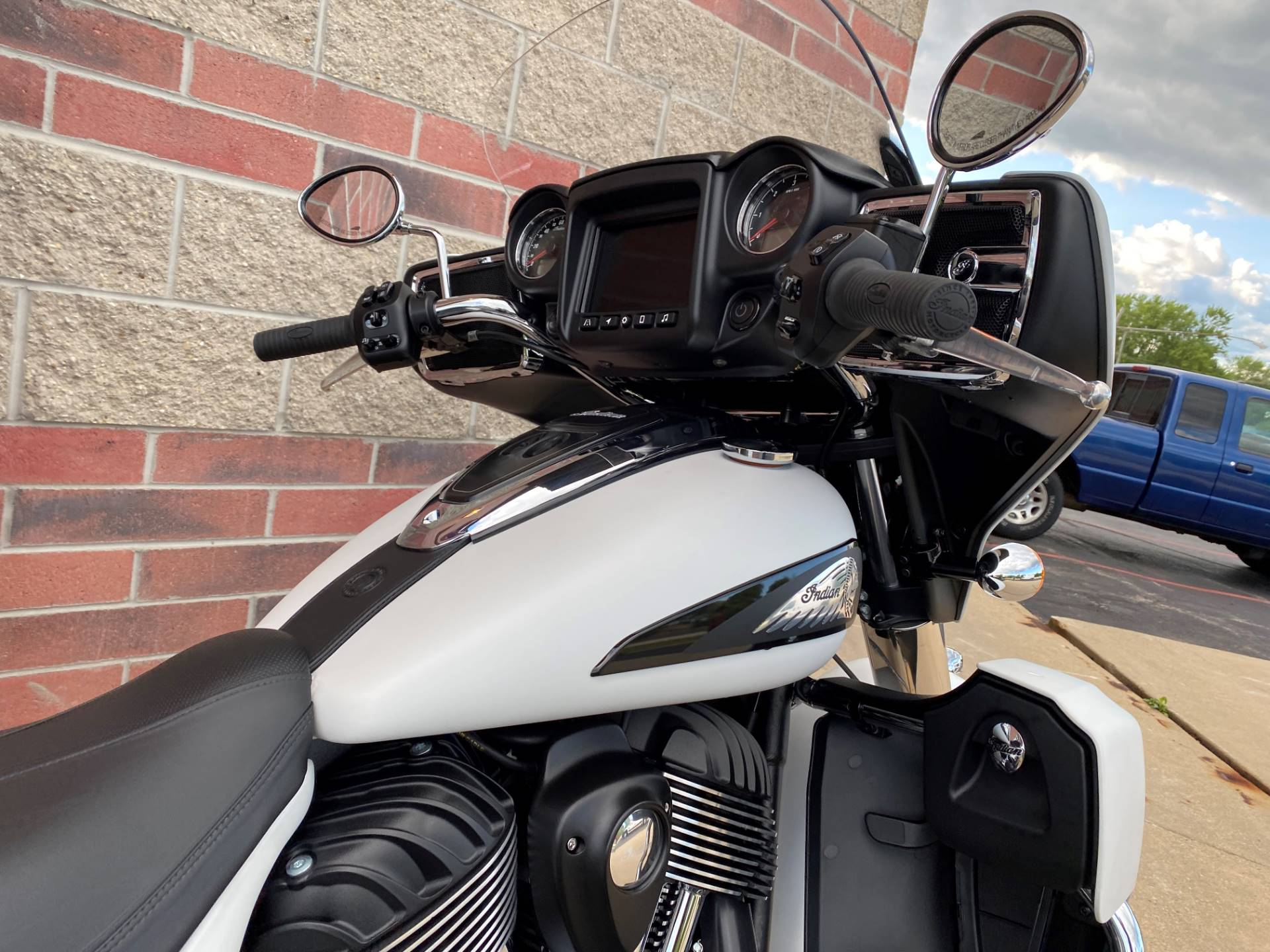 2020 Indian Roadmaster® Dark Horse® in Muskego, Wisconsin - Photo 9