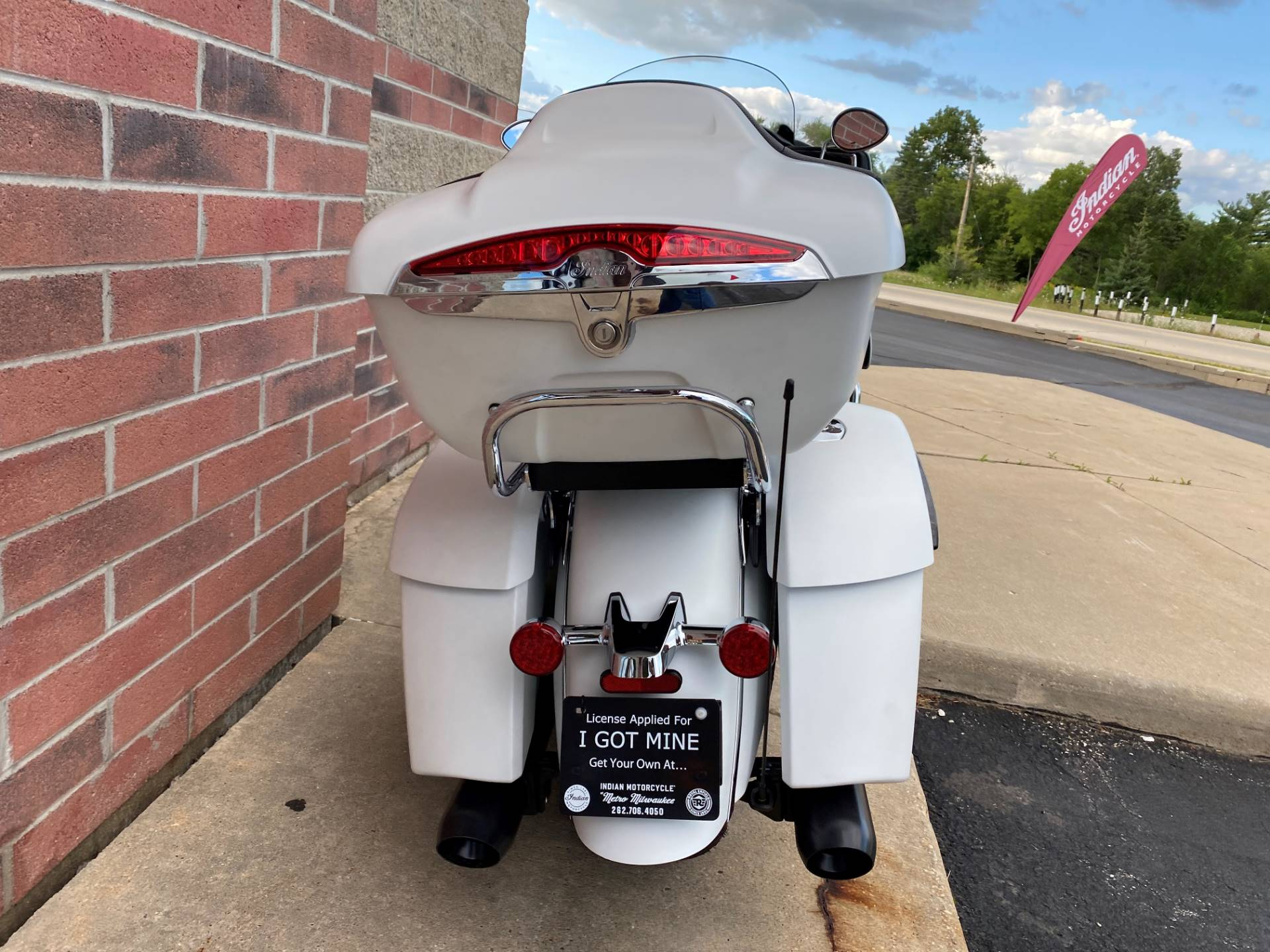 2020 Indian Roadmaster® Dark Horse® in Muskego, Wisconsin - Photo 12