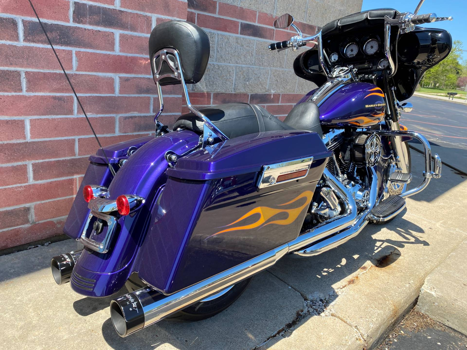 2012 Harley-Davidson Street Glide® in Muskego, Wisconsin - Photo 10