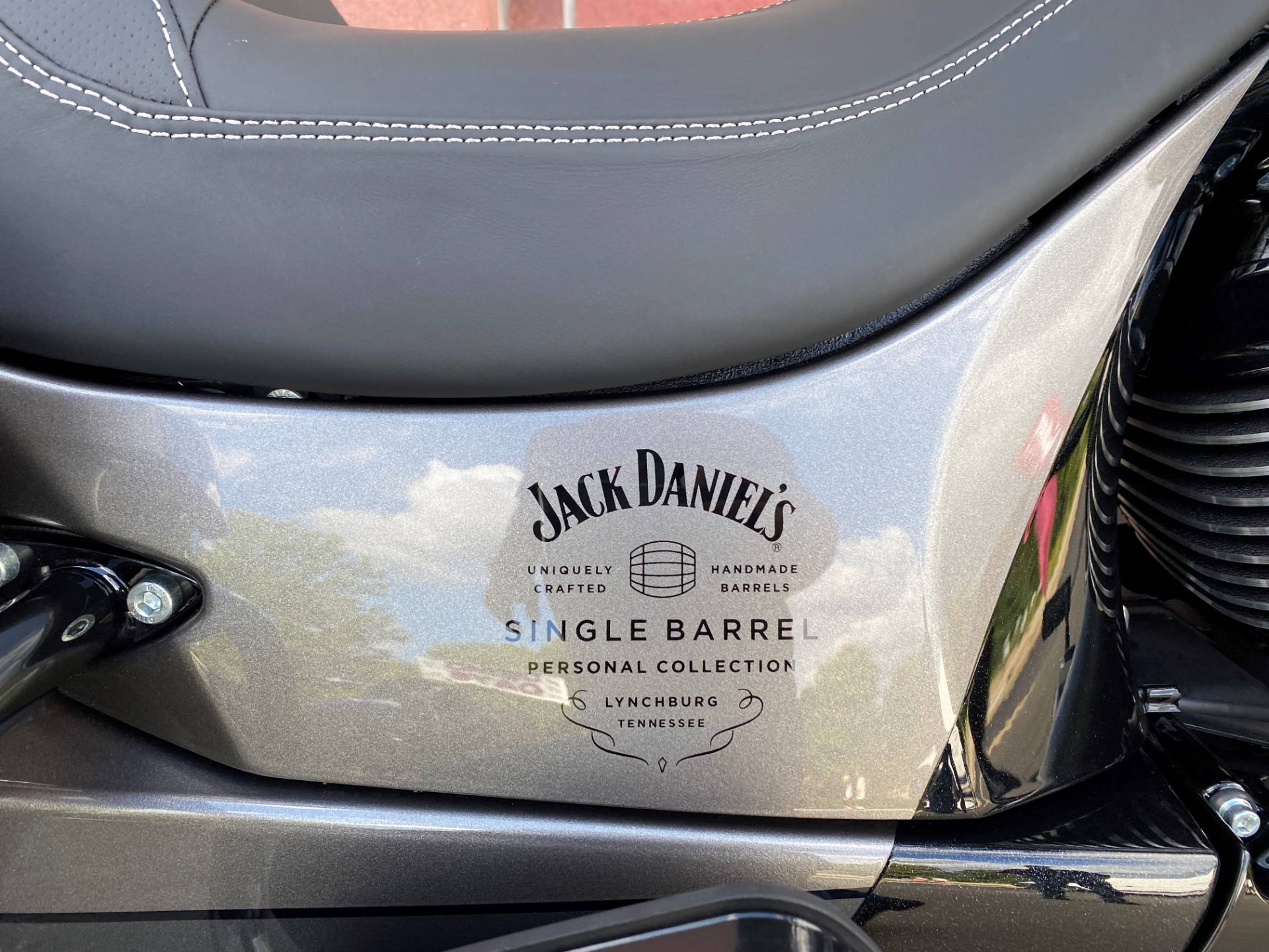 2020 Indian Springfield® Dark Horse® Jack Daniel's® Limited Edition in Muskego, Wisconsin - Photo 10