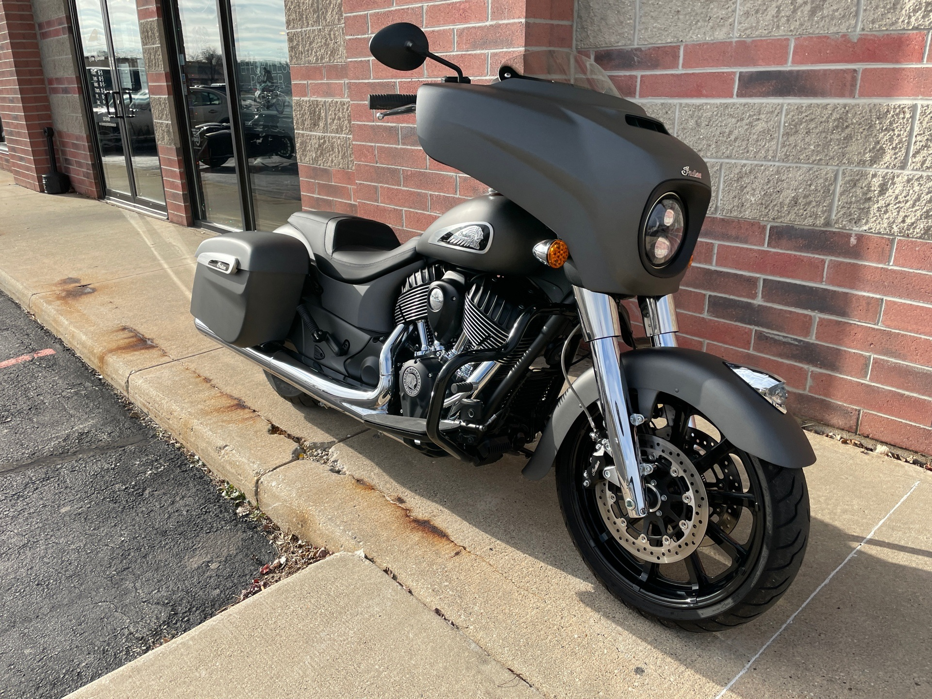 2020 Indian Chieftain® in Muskego, Wisconsin - Photo 2