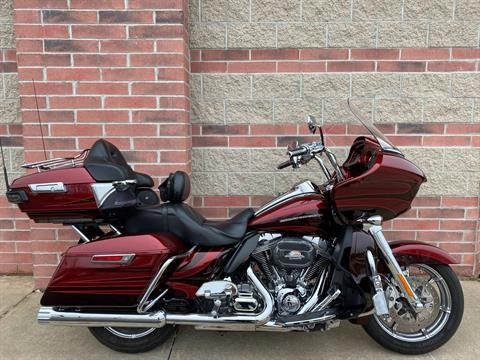 2015 Harley-Davidson CVO™ Road Glide® Ultra in Muskego, Wisconsin - Photo 1