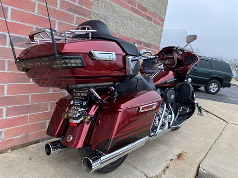 2015 Harley-Davidson CVO™ Road Glide® Ultra in Muskego, Wisconsin - Photo 10