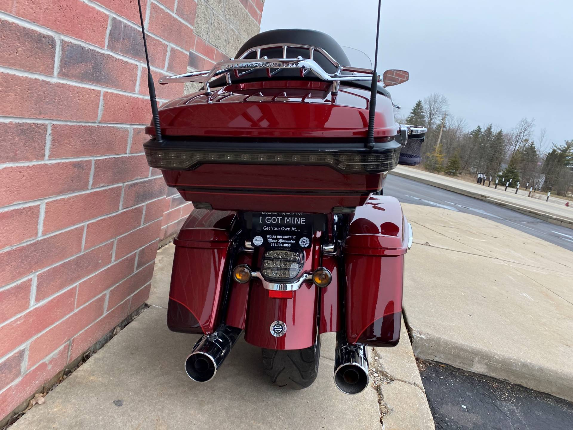 2015 Harley-Davidson CVO™ Road Glide® Ultra in Muskego, Wisconsin - Photo 11