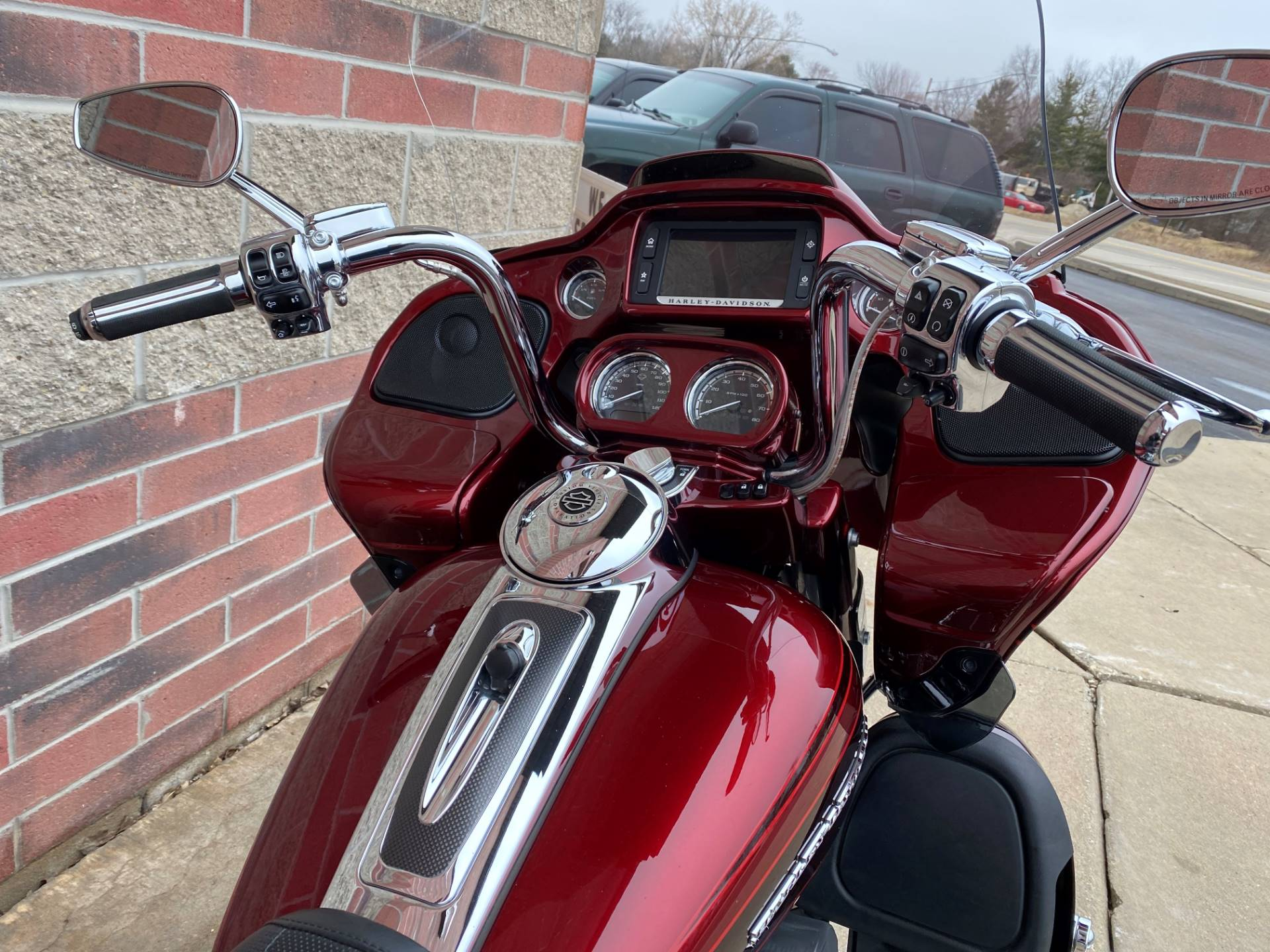 2015 Harley-Davidson CVO™ Road Glide® Ultra in Muskego, Wisconsin - Photo 14