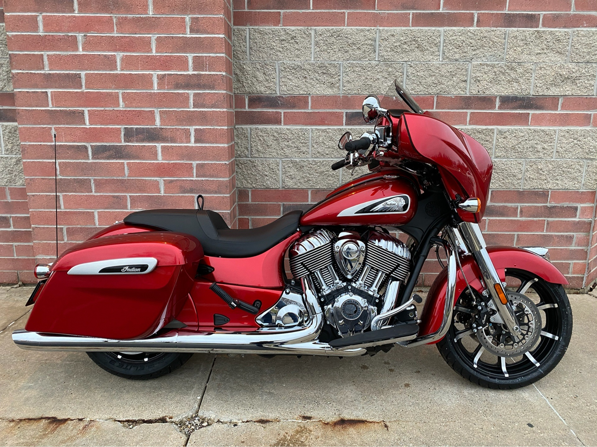 2019 Indian Chieftain® Limited ABS in Muskego, Wisconsin - Photo 1