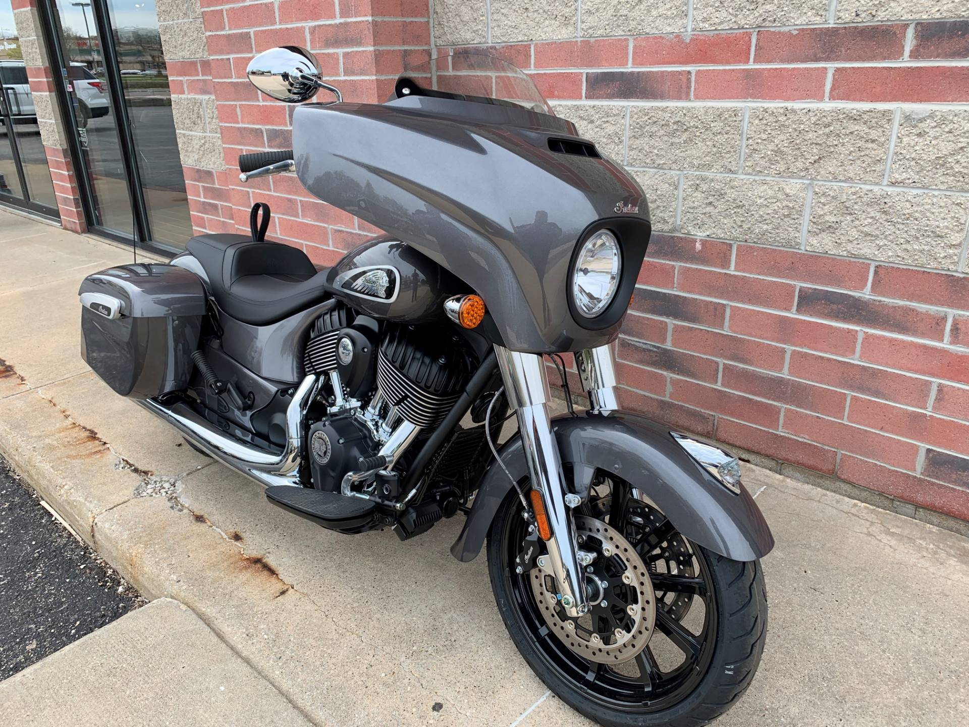 2019 Indian Chieftain® ABS in Muskego, Wisconsin - Photo 2