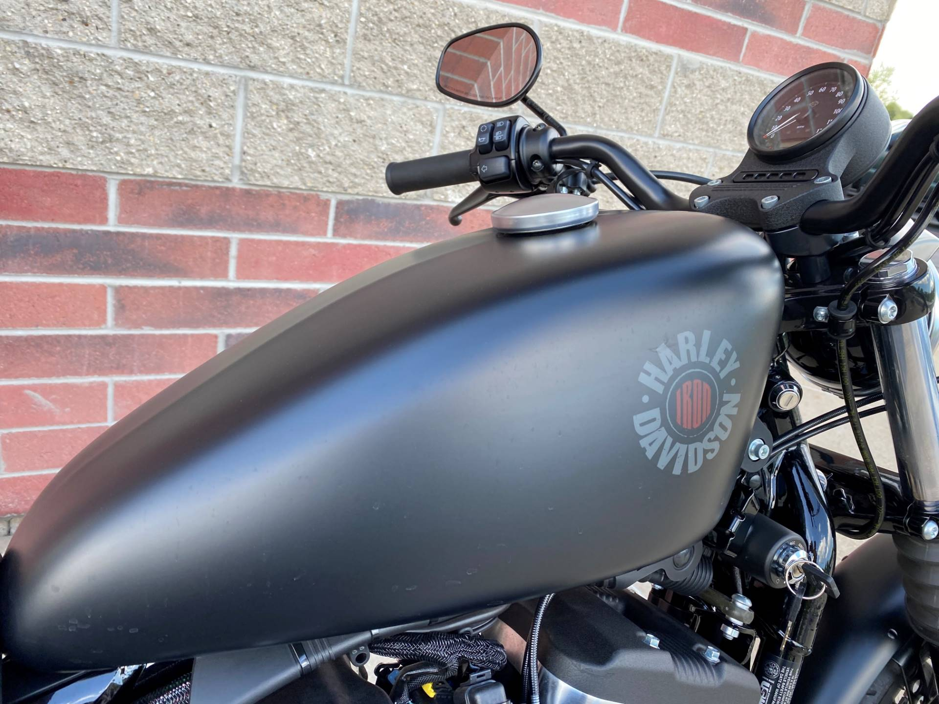 2019 Harley-Davidson Iron 883™ in Muskego, Wisconsin - Photo 6