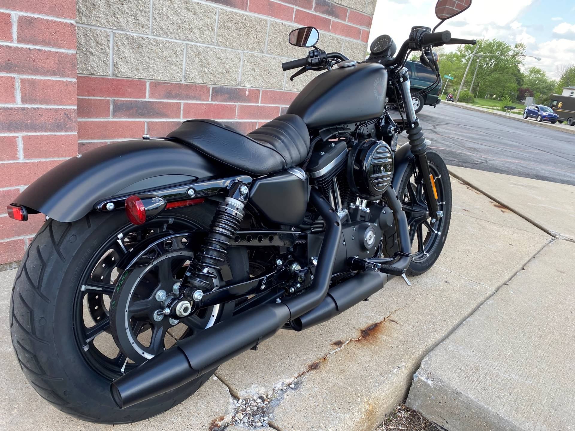 2019 Harley-Davidson Iron 883™ in Muskego, Wisconsin - Photo 8