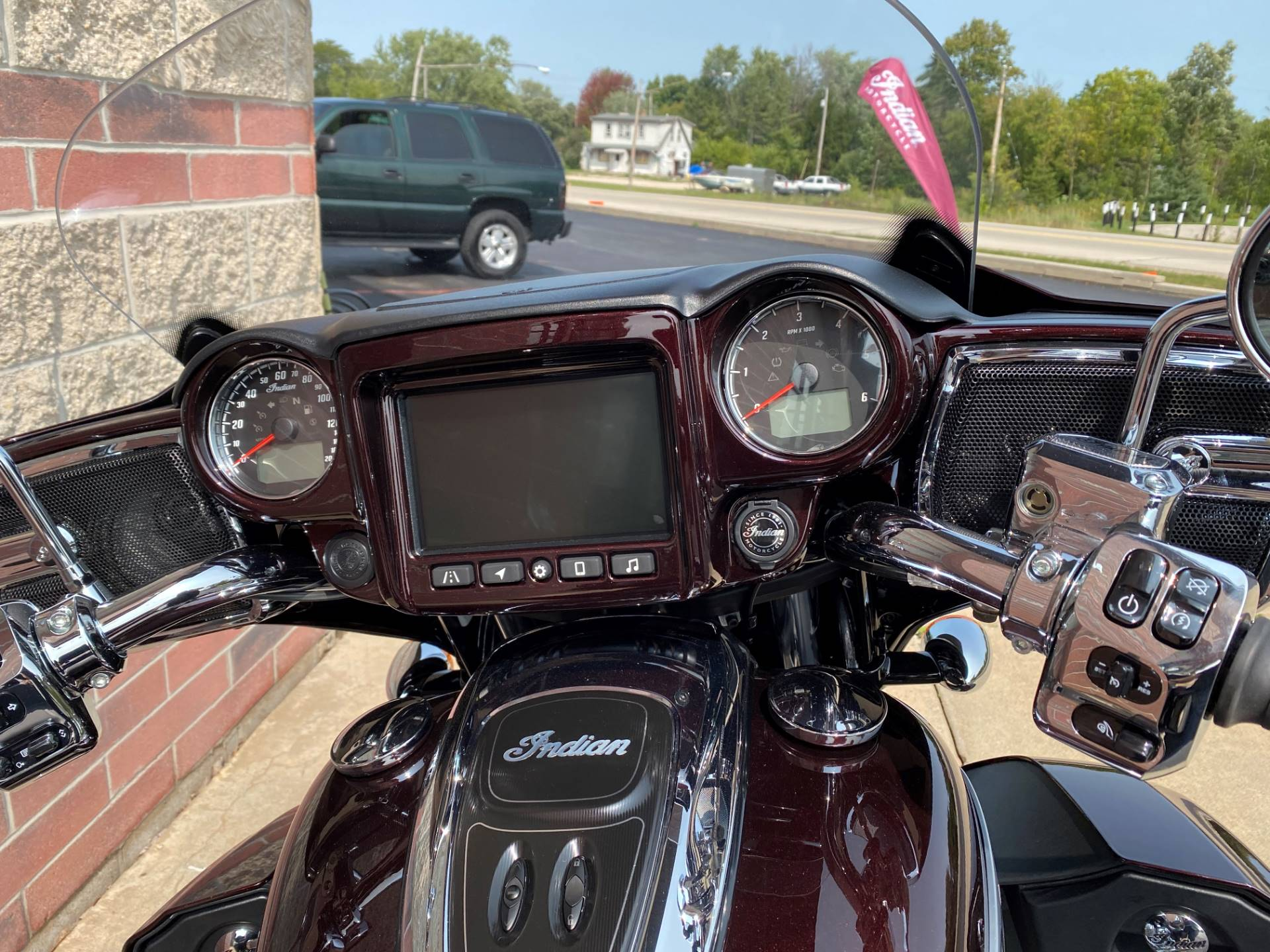 2021 Indian Roadmaster® Limited in Muskego, Wisconsin - Photo 14