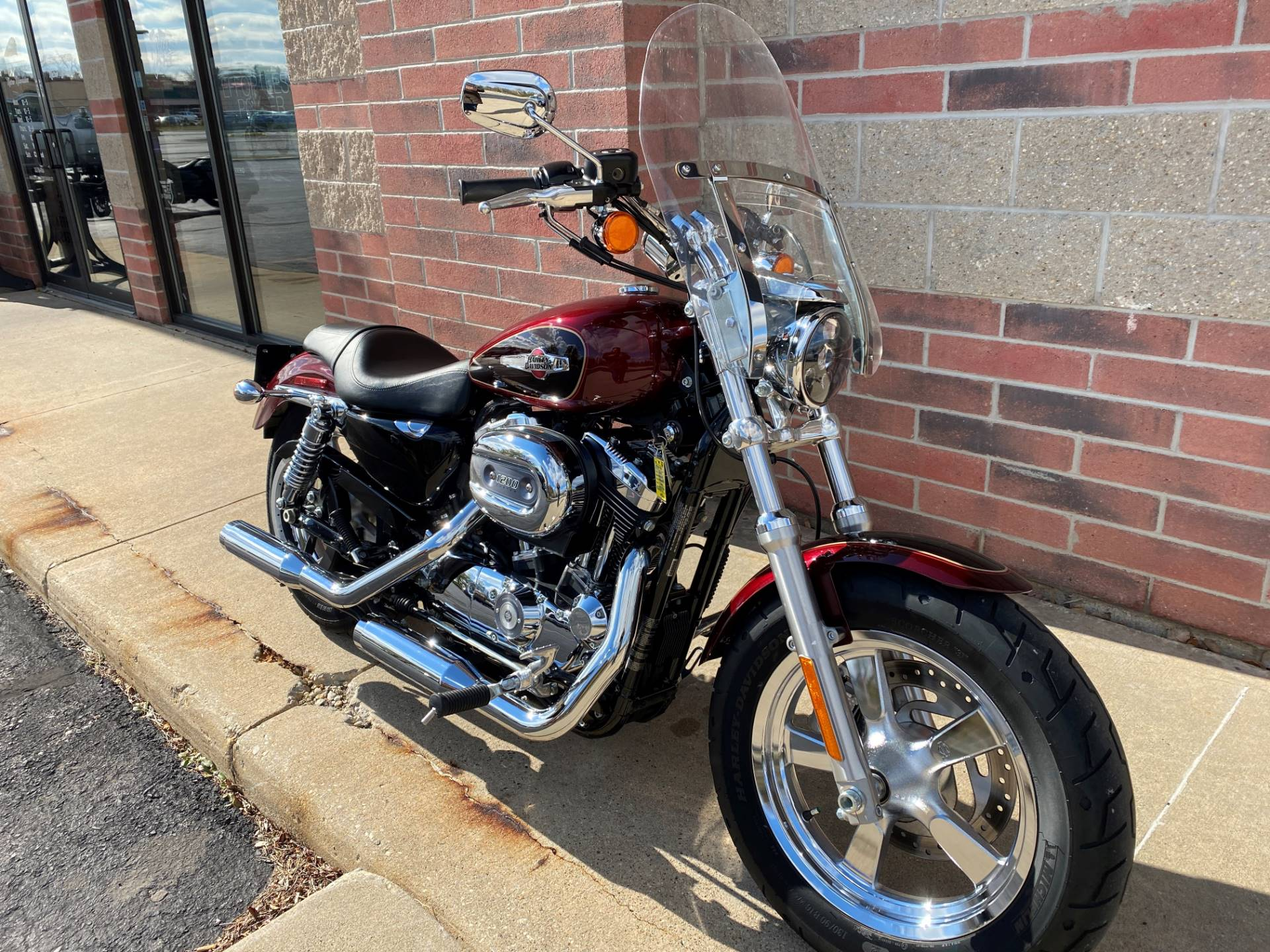 2015 Harley-Davidson 1200 Custom in Muskego, Wisconsin - Photo 2