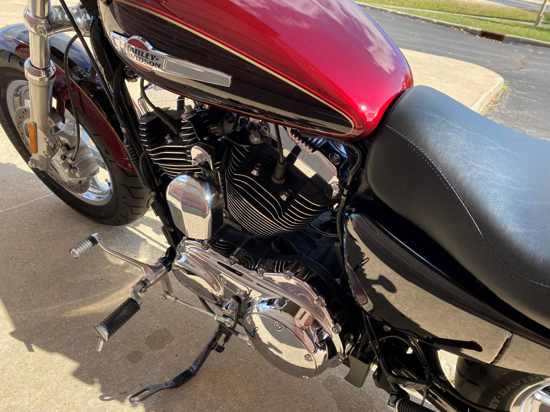 2015 Harley-Davidson 1200 Custom in Muskego, Wisconsin - Photo 12
