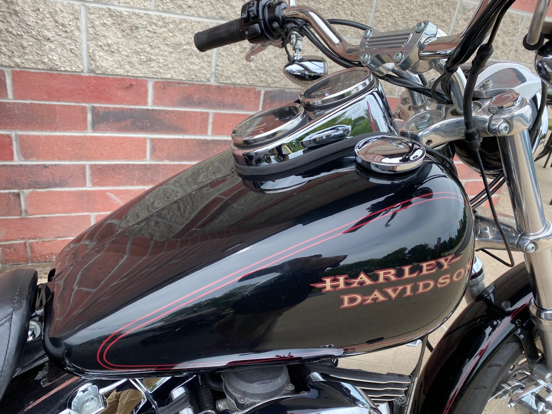 2002 Harley-Davidson FXDL  Dyna Low Rider® in Muskego, Wisconsin - Photo 7