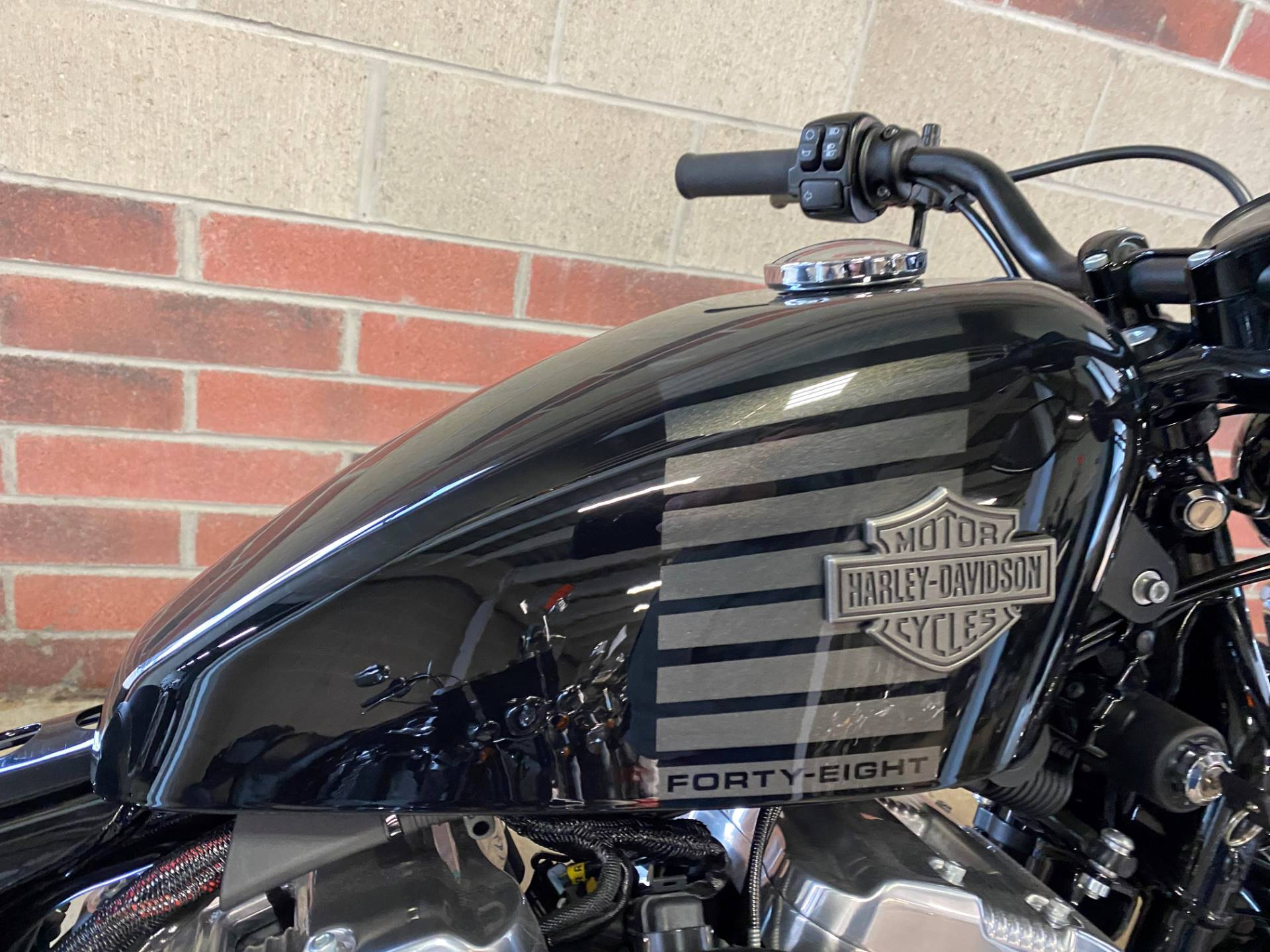 2017 Harley-Davidson Forty-Eight® in Muskego, Wisconsin - Photo 6