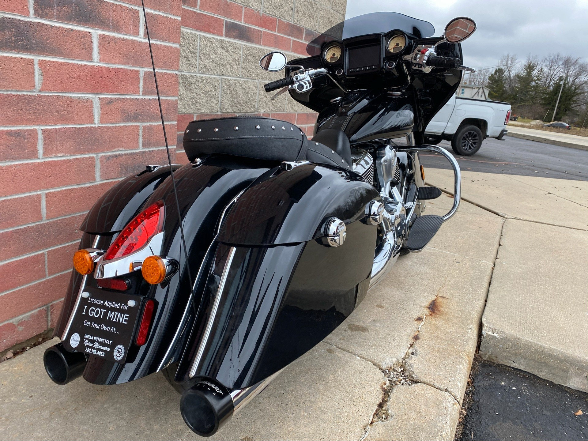 2017 Indian Chieftain® in Muskego, Wisconsin - Photo 8