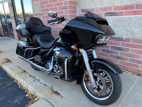 2019 Harley-Davidson Road Glide® Ultra in Muskego, Wisconsin - Photo 2
