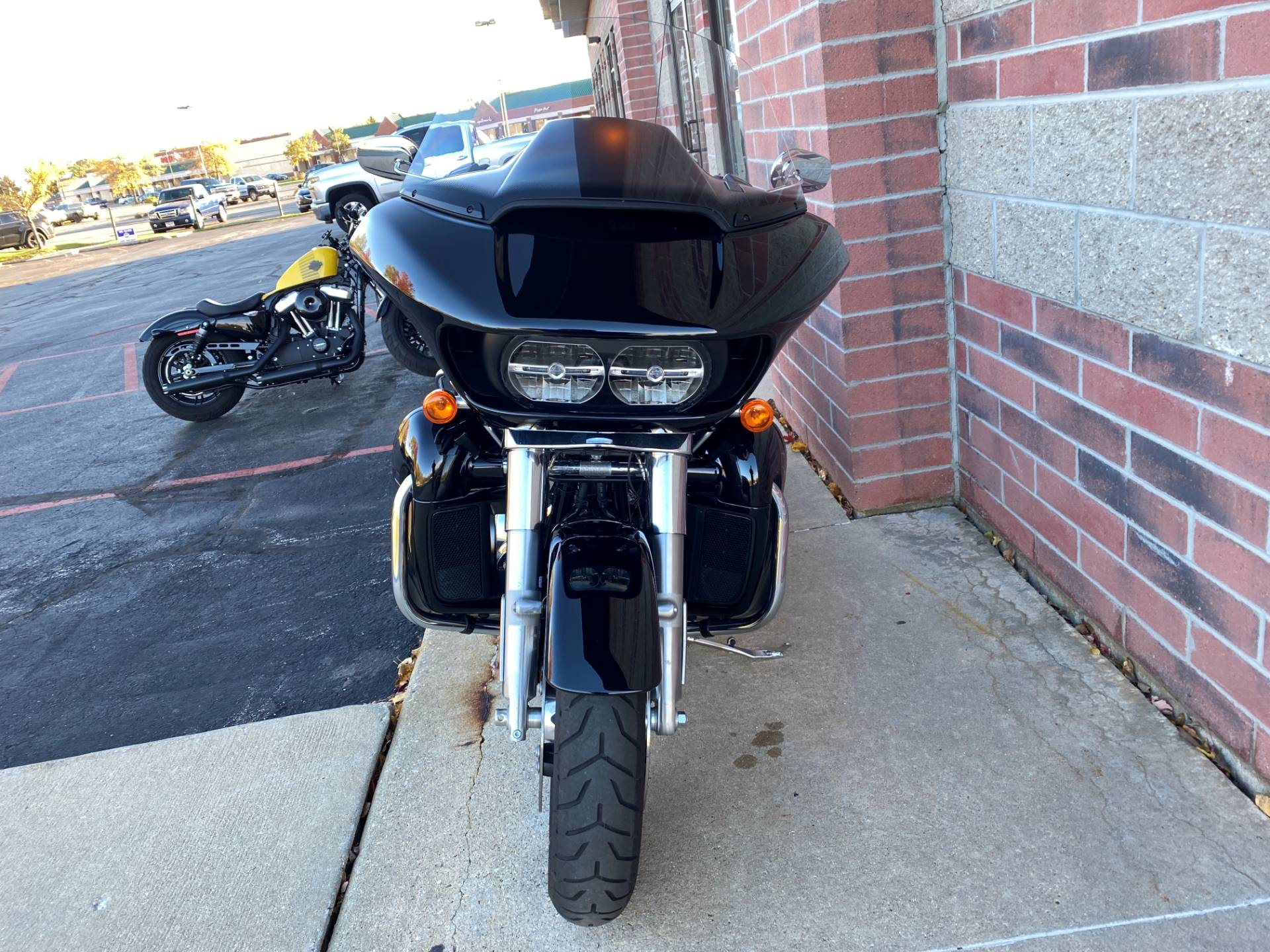 2019 Harley-Davidson Road Glide® Ultra in Muskego, Wisconsin - Photo 3