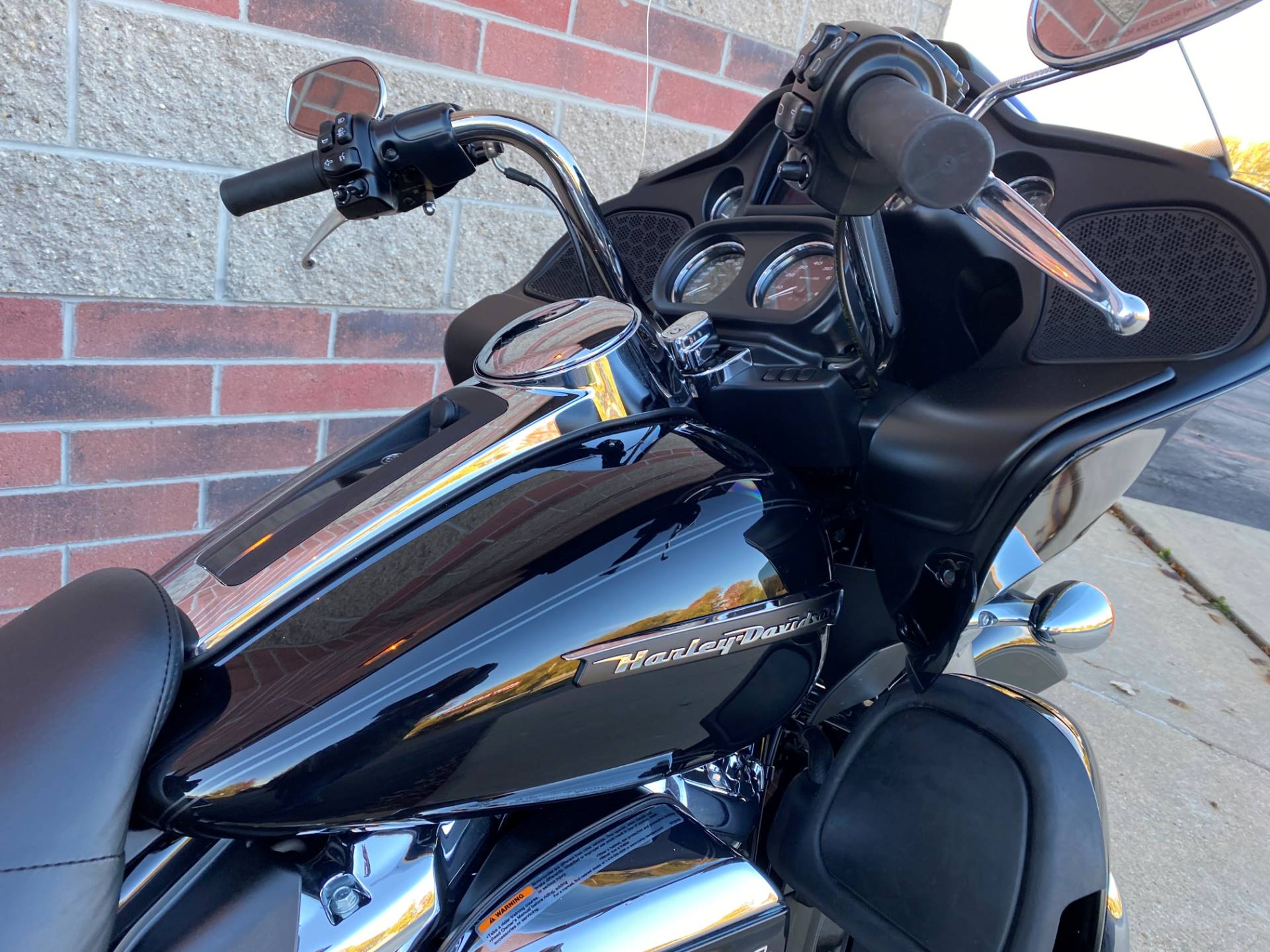 2019 Harley-Davidson Road Glide® Ultra in Muskego, Wisconsin - Photo 7