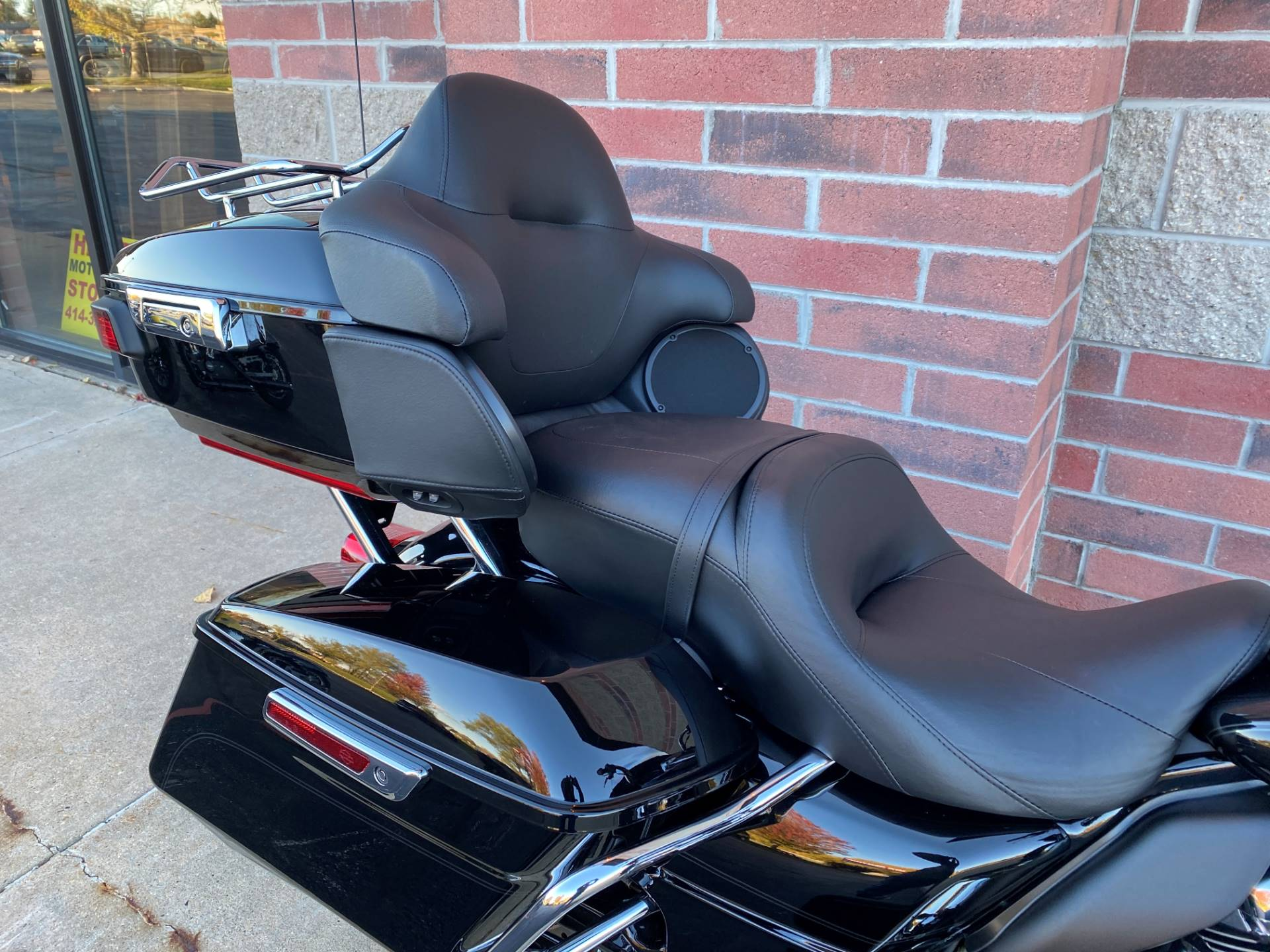 2019 Harley-Davidson Road Glide® Ultra in Muskego, Wisconsin - Photo 9