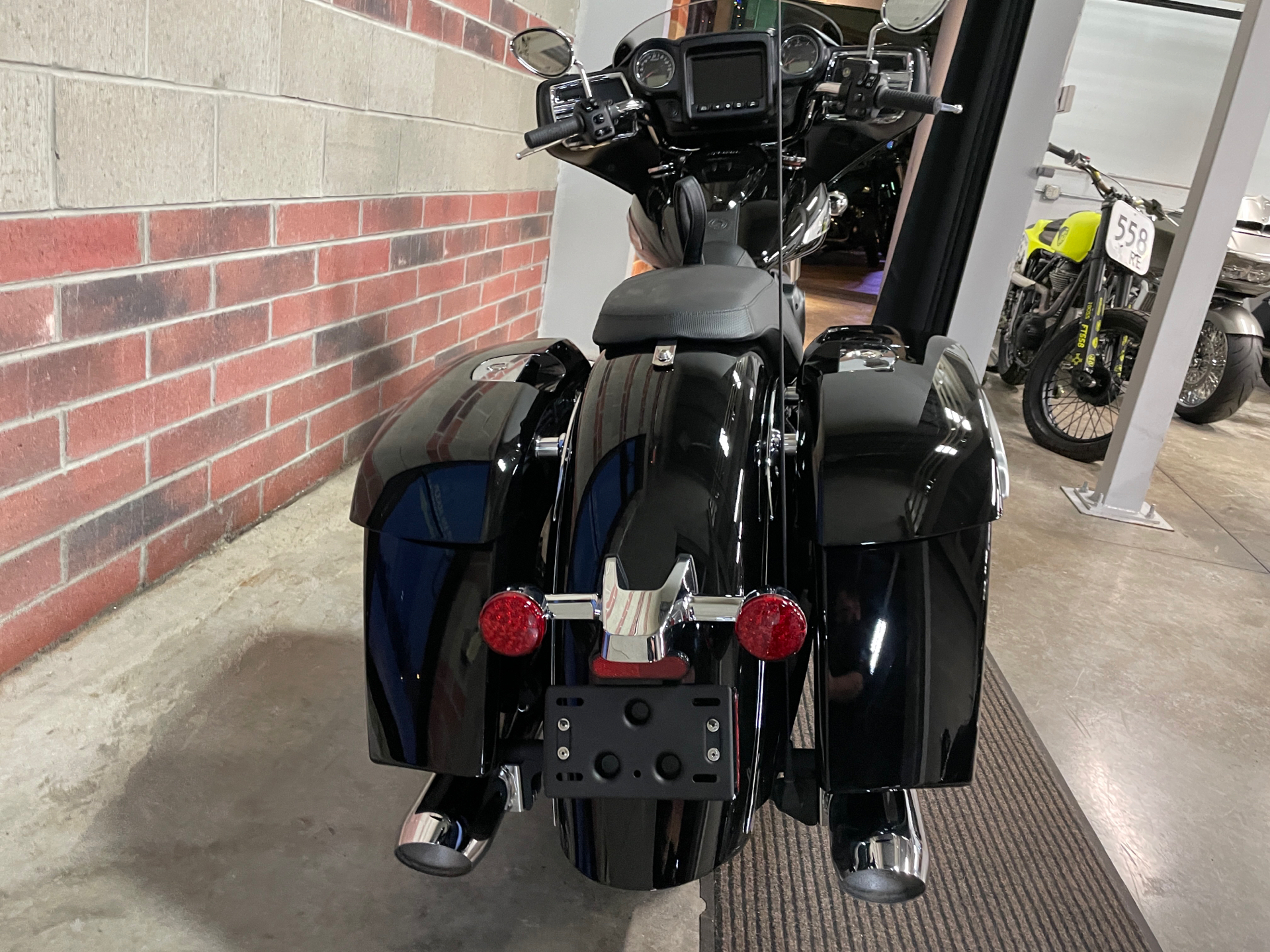 2021 Indian Chieftain® in Muskego, Wisconsin - Photo 8