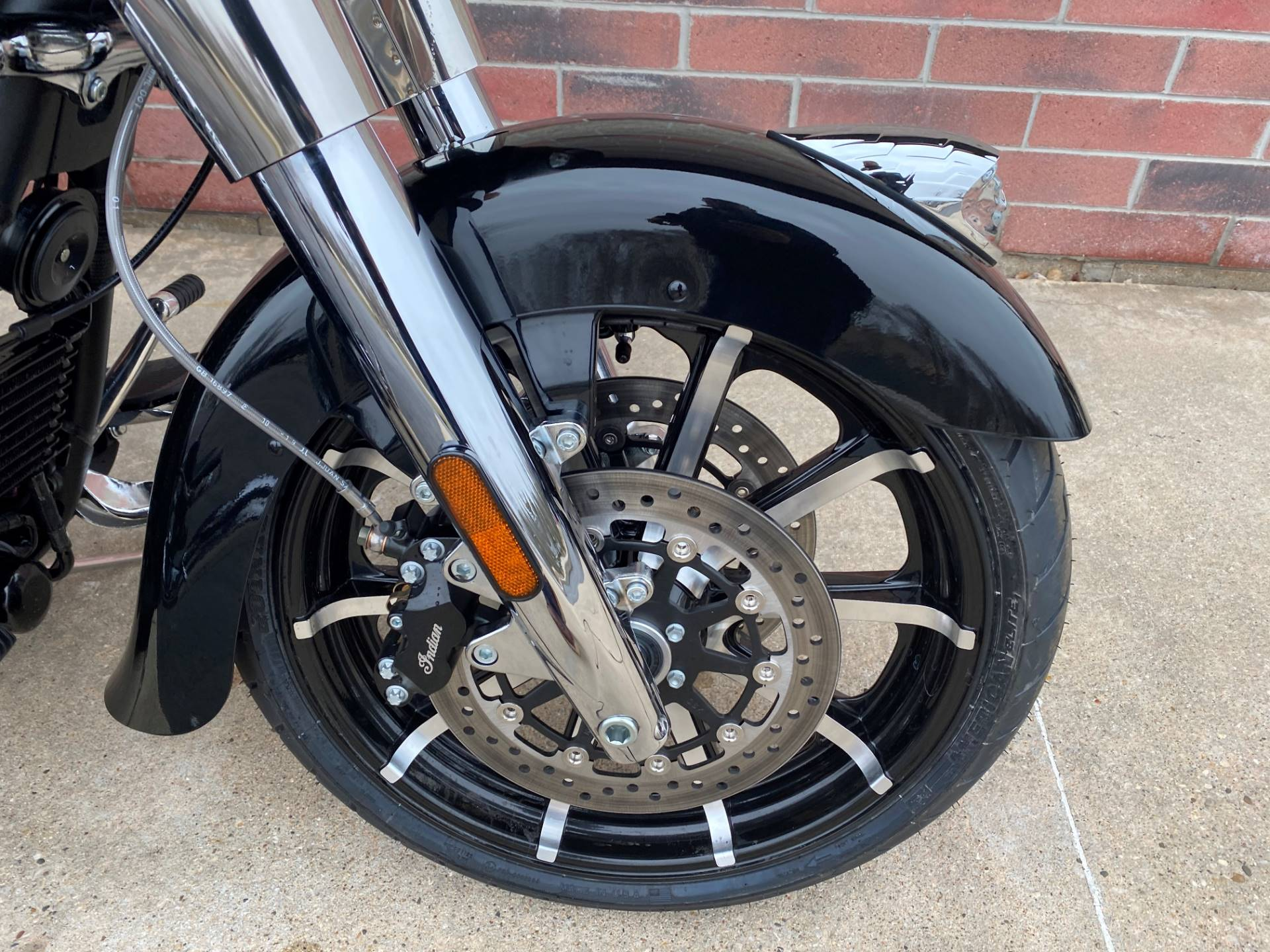 2020 Indian Chieftain® Limited in Muskego, Wisconsin - Photo 4
