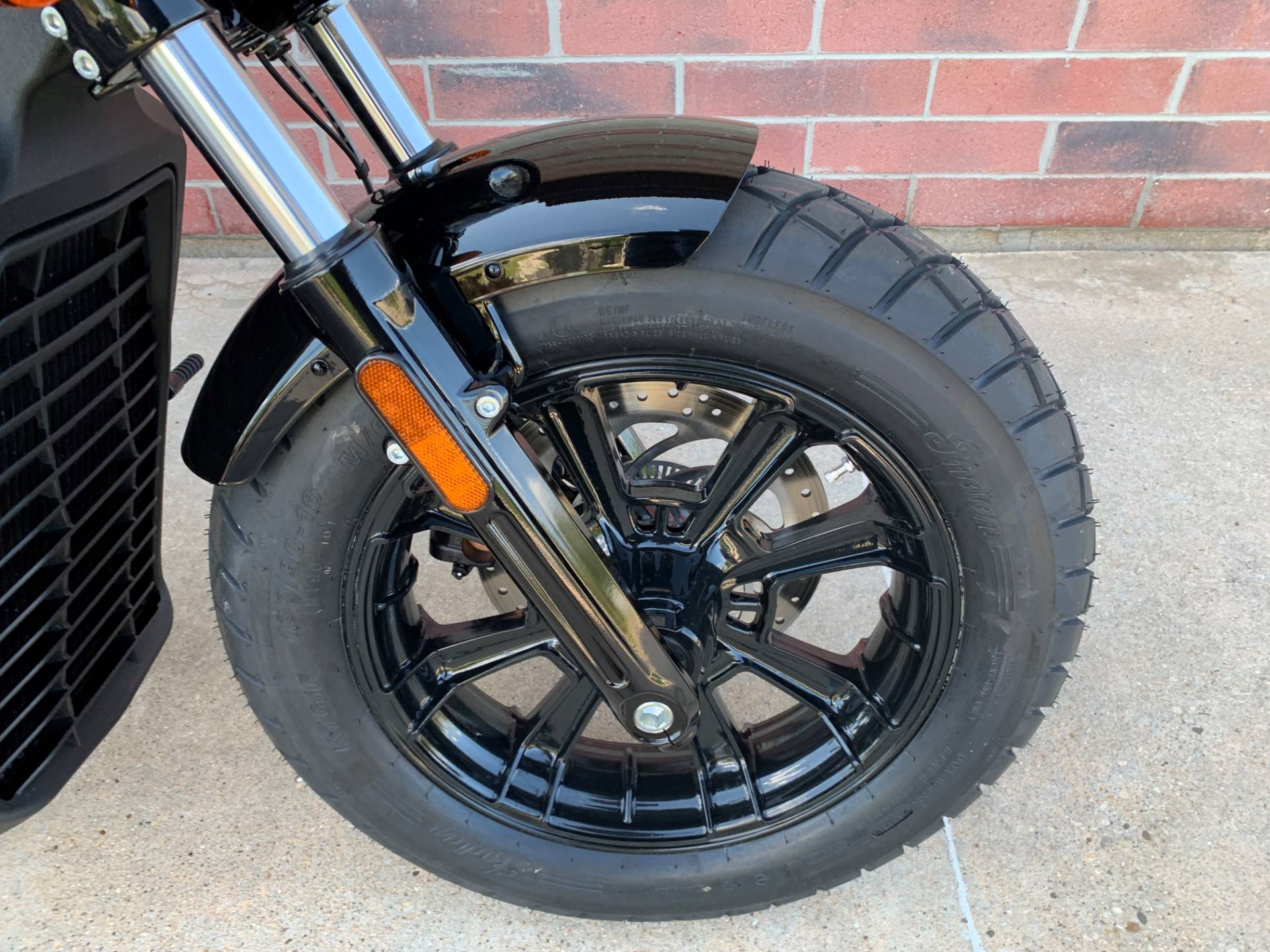 2019 Indian Scout® Bobber ABS in Muskego, Wisconsin - Photo 4