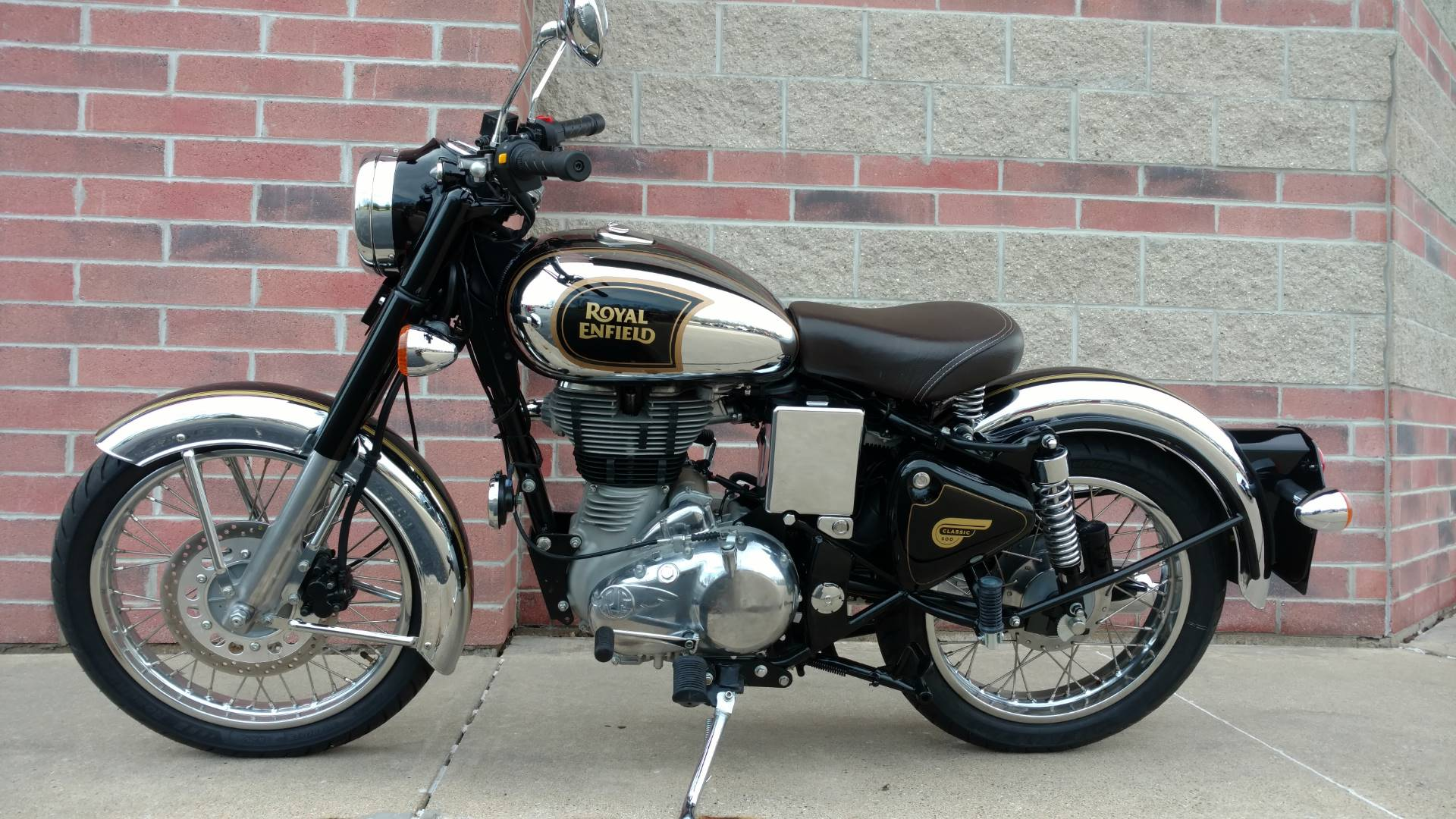 2017 Royal Enfield Classic Chrome in Muskego, Wisconsin