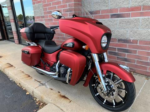 2020 Indian Roadmaster® Dark Horse® in Muskego, Wisconsin - Photo 2