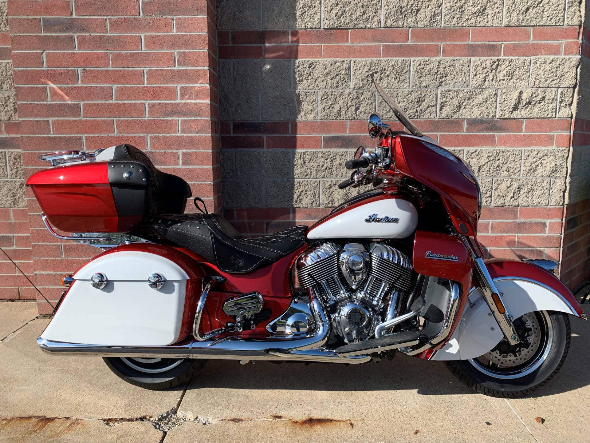 2020 Indian Roadmaster® Icon Series in Muskego, Wisconsin - Photo 1