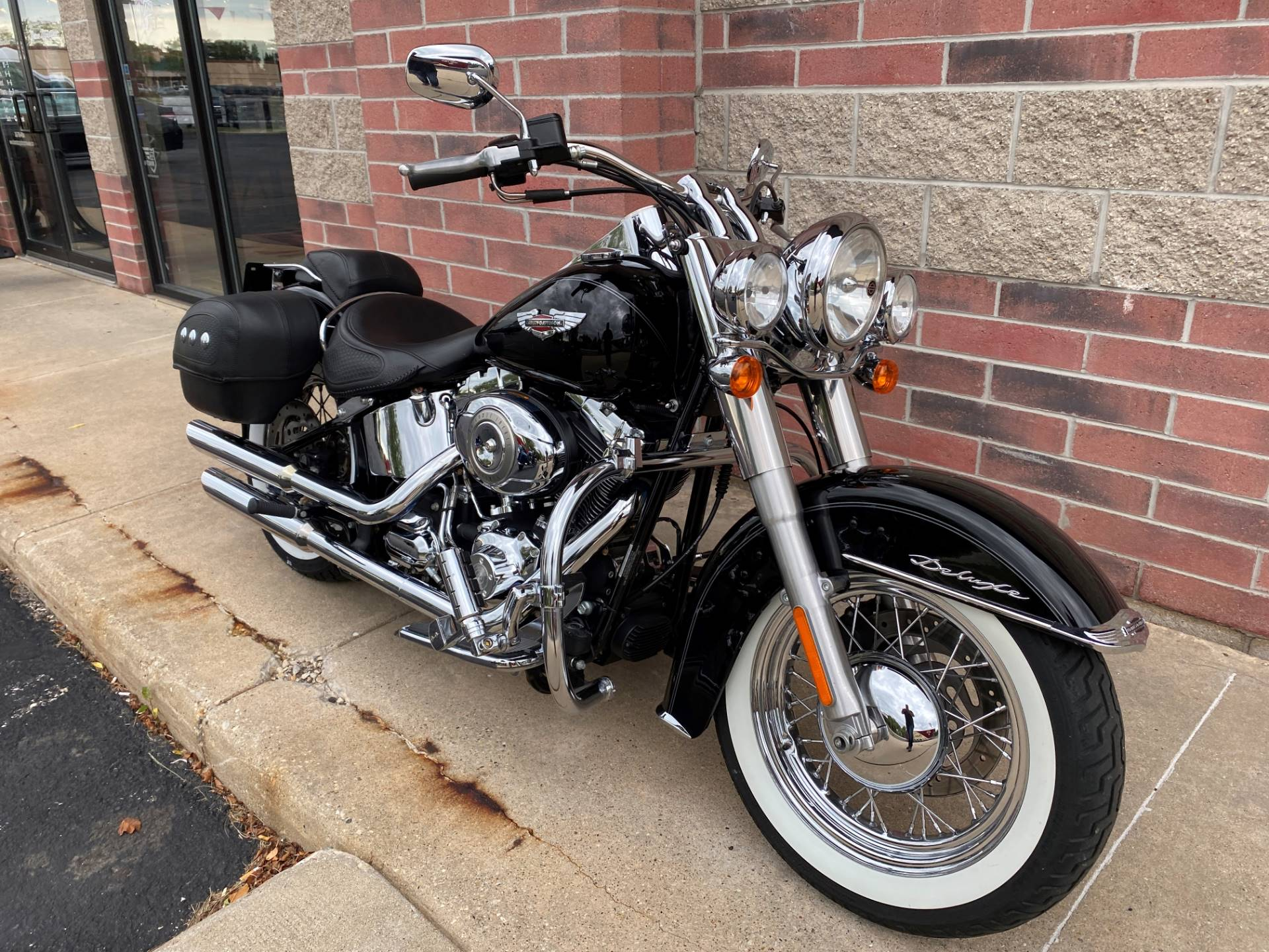 2010 Harley-Davidson Softail® Deluxe in Muskego, Wisconsin - Photo 2
