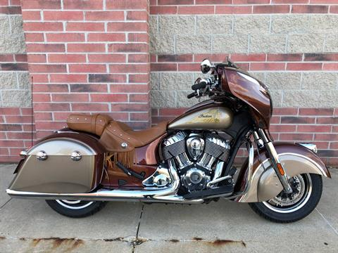 2019 Indian Chieftain® Classic Icon Series in Muskego, Wisconsin