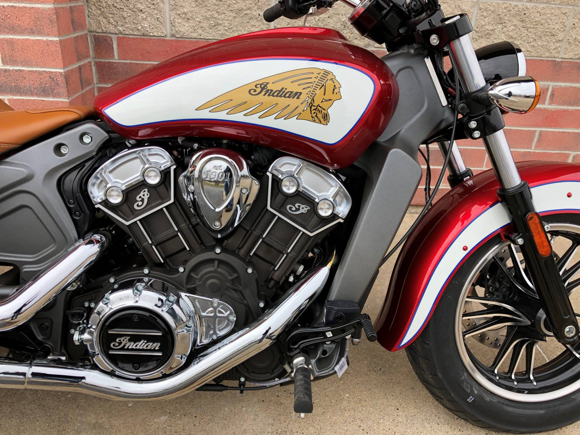 2019 Indian Scout® ABS Icon Series in Muskego, Wisconsin - Photo 5