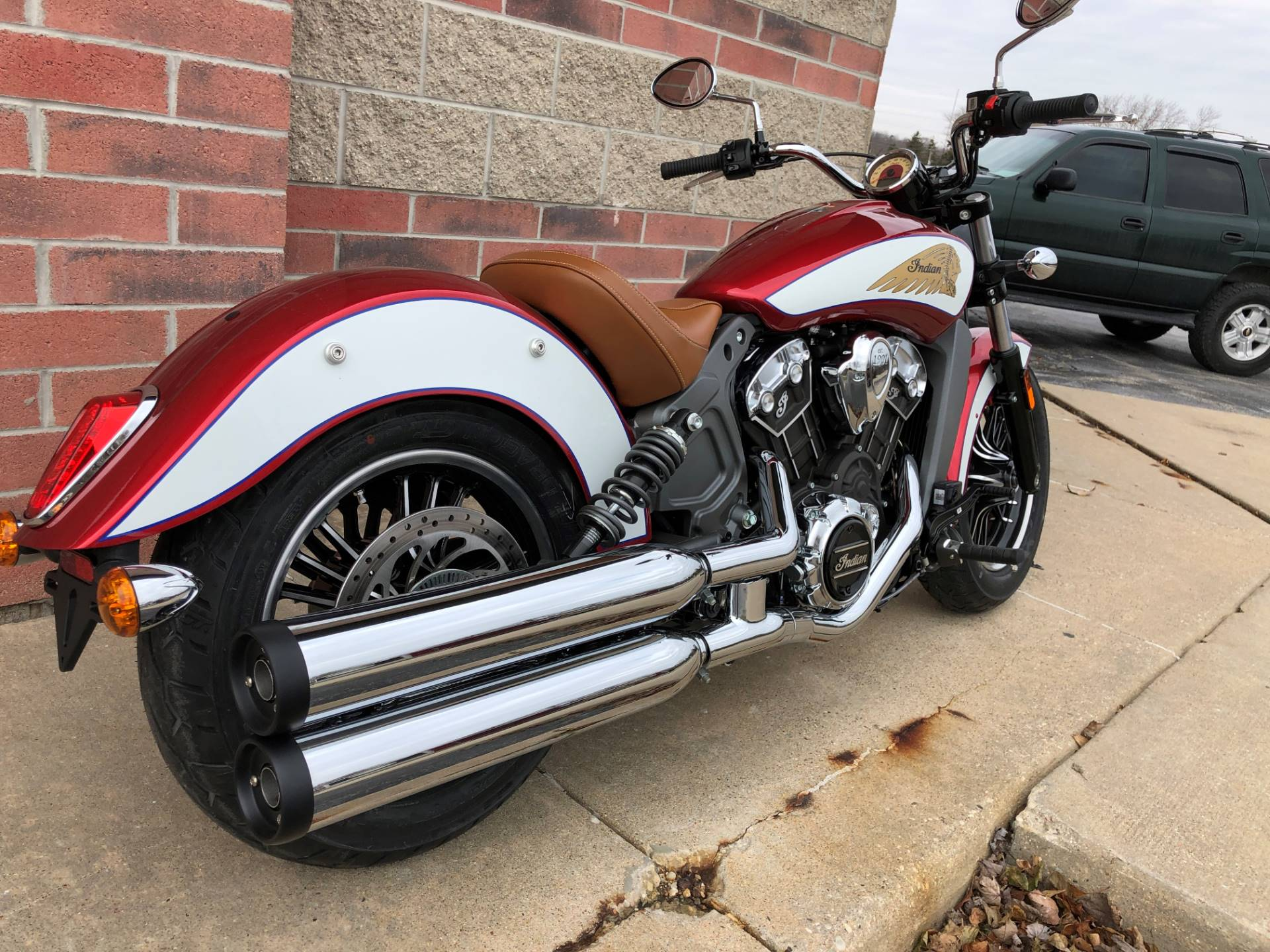 2019 Indian Scout® ABS Icon Series in Muskego, Wisconsin - Photo 8