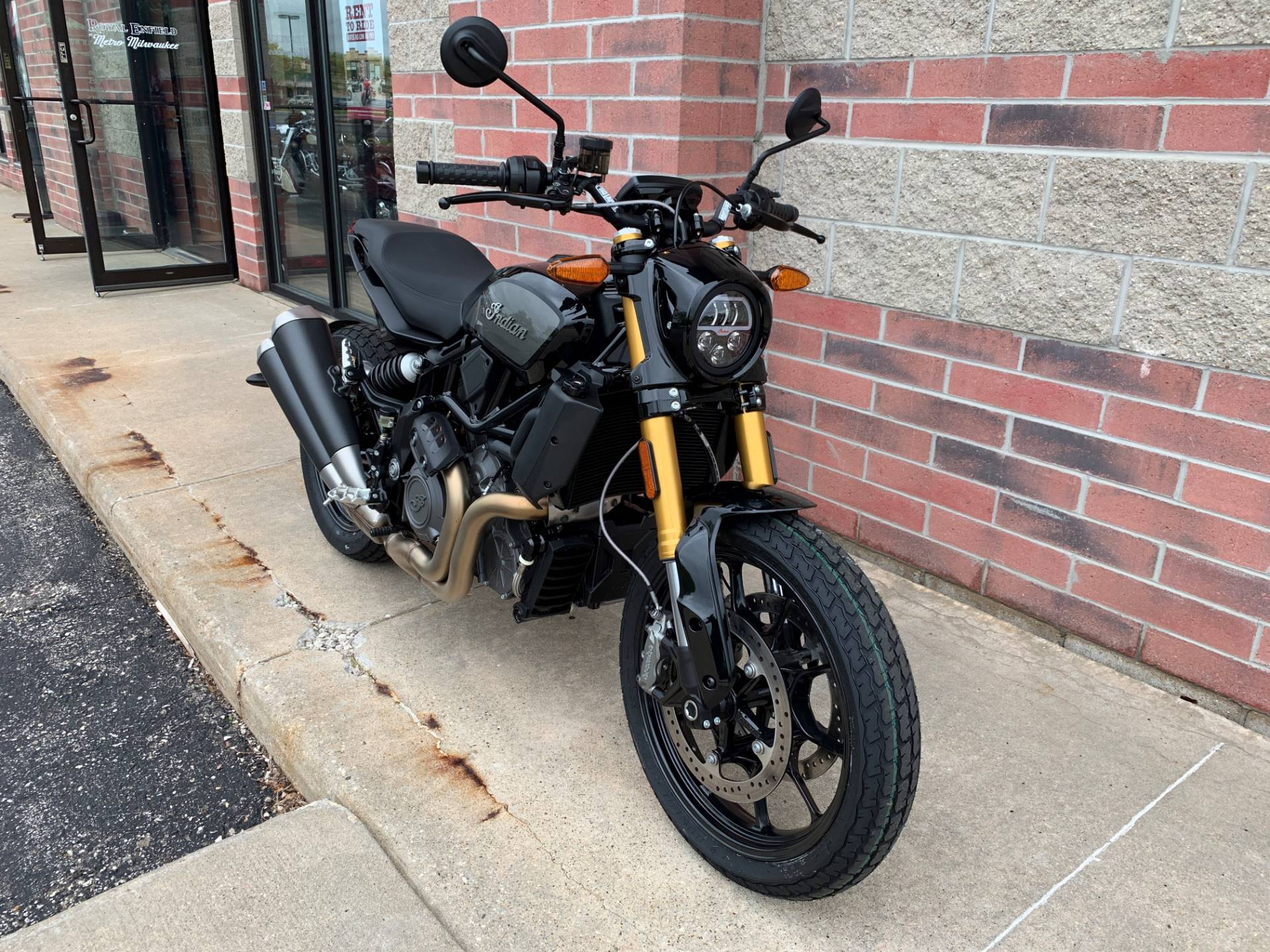 2019 Indian FTR™ 1200 S in Muskego, Wisconsin - Photo 2