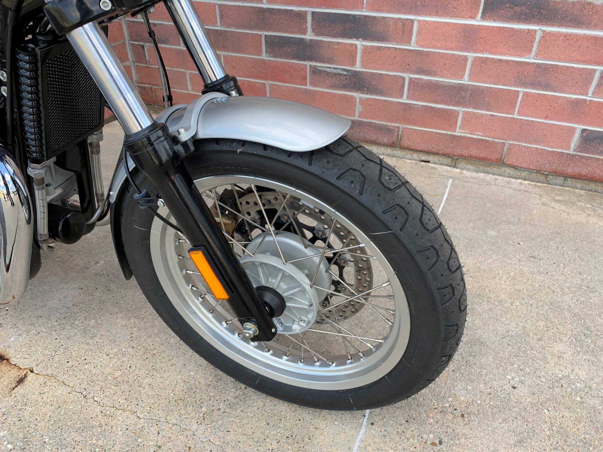 2019 Royal Enfield INT650 in Muskego, Wisconsin - Photo 4