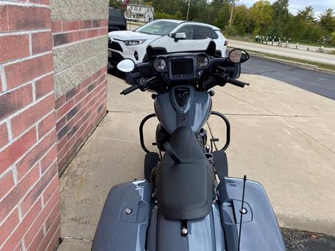 2021 Indian Chieftain® Dark Horse® Icon in Muskego, Wisconsin - Photo 11