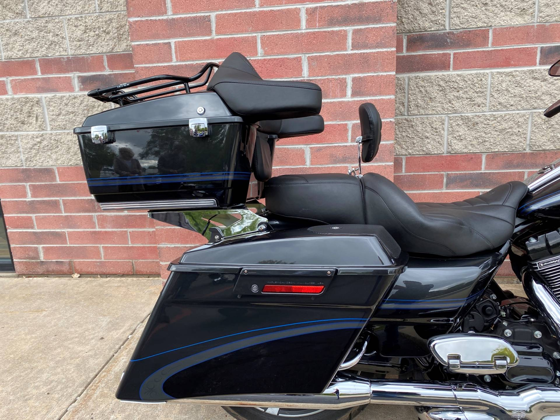 2013 Harley-Davidson CVO™ Road Glide® Custom 110th Anniversary Edition in Muskego, Wisconsin - Photo 7
