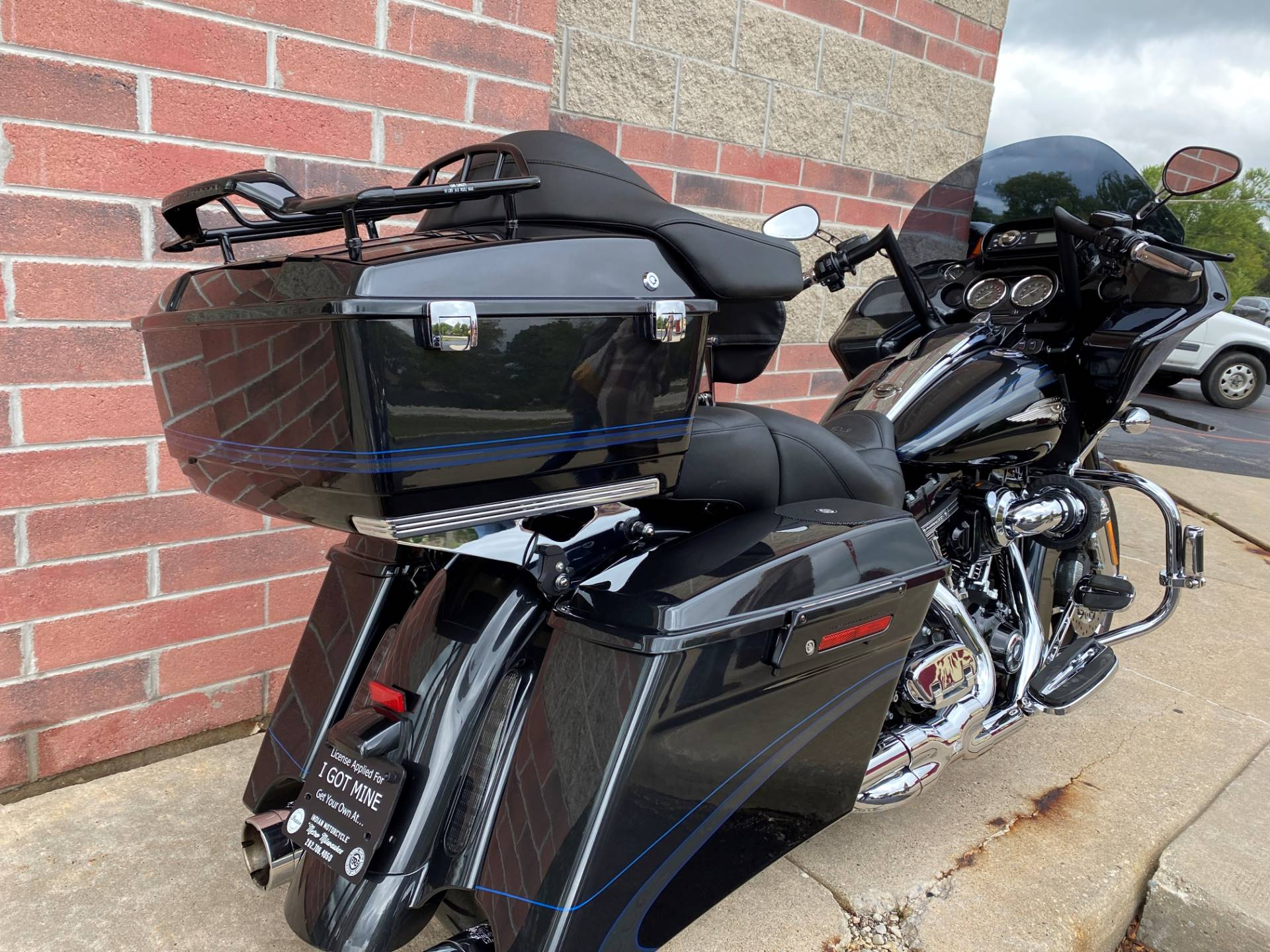 2013 Harley-Davidson CVO™ Road Glide® Custom 110th Anniversary Edition in Muskego, Wisconsin - Photo 8
