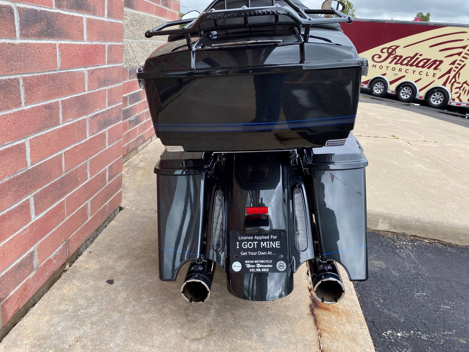 2013 Harley-Davidson CVO™ Road Glide® Custom 110th Anniversary Edition in Muskego, Wisconsin - Photo 9