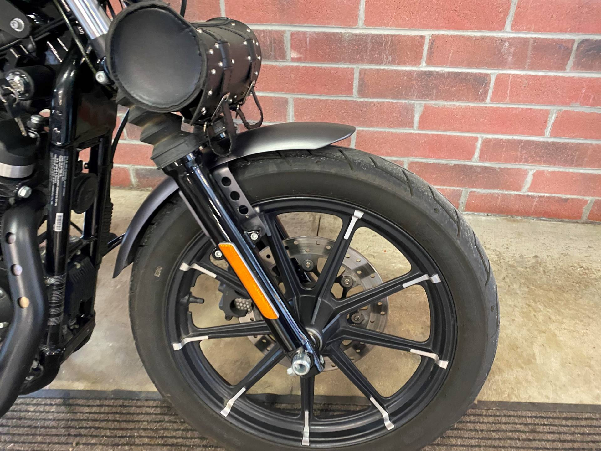 2017 Harley-Davidson Iron 883™ in Muskego, Wisconsin - Photo 4