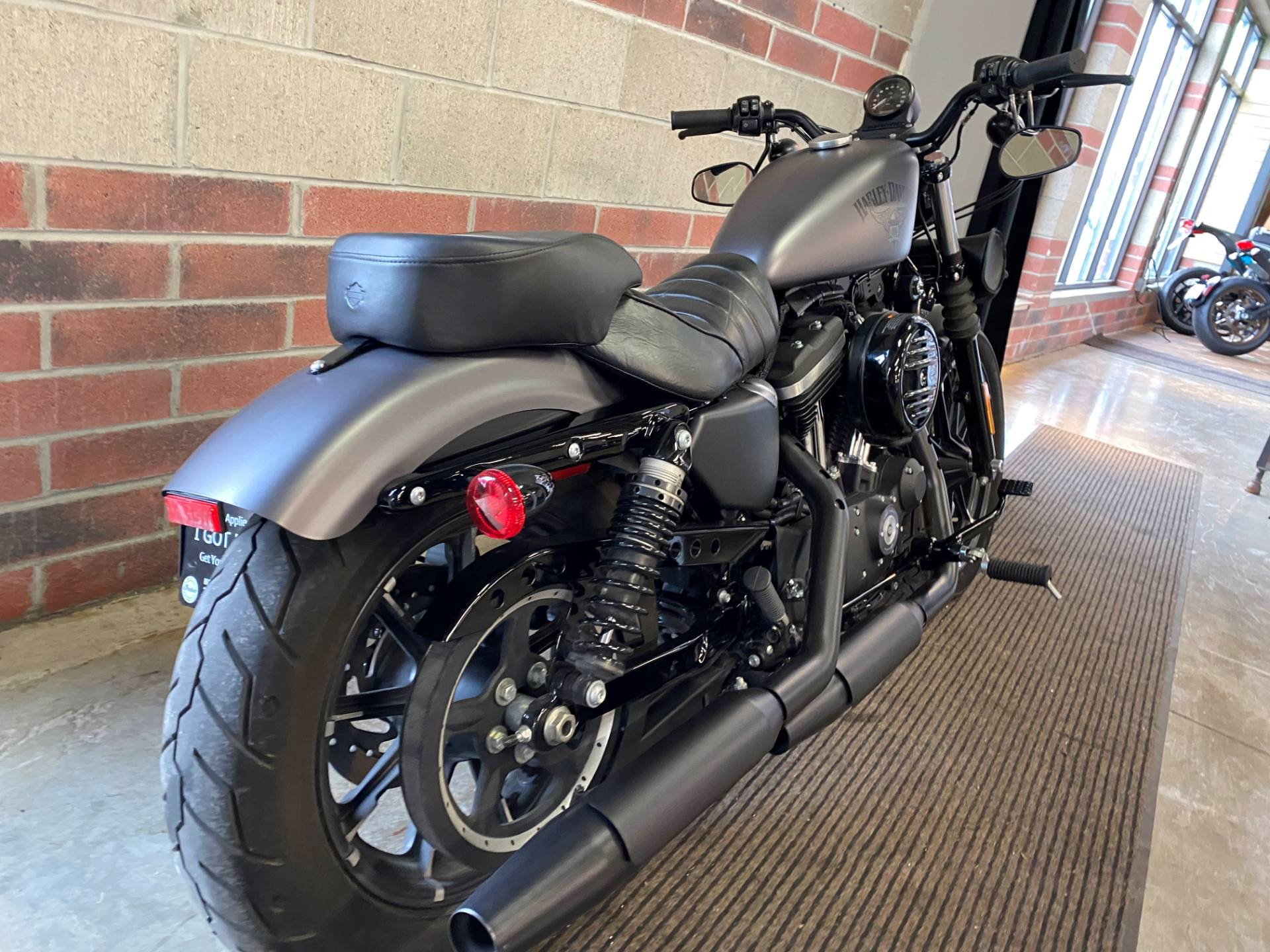 2017 Harley-Davidson Iron 883™ in Muskego, Wisconsin - Photo 8