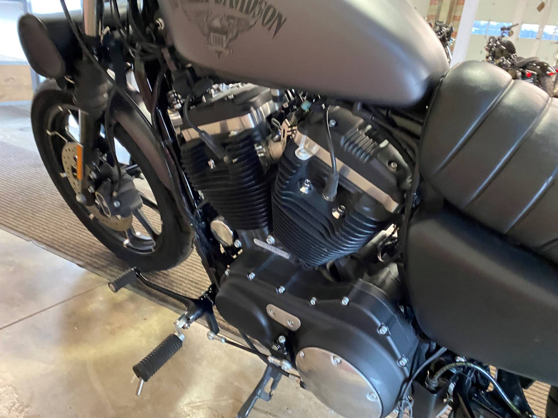 2017 Harley-Davidson Iron 883™ in Muskego, Wisconsin - Photo 11