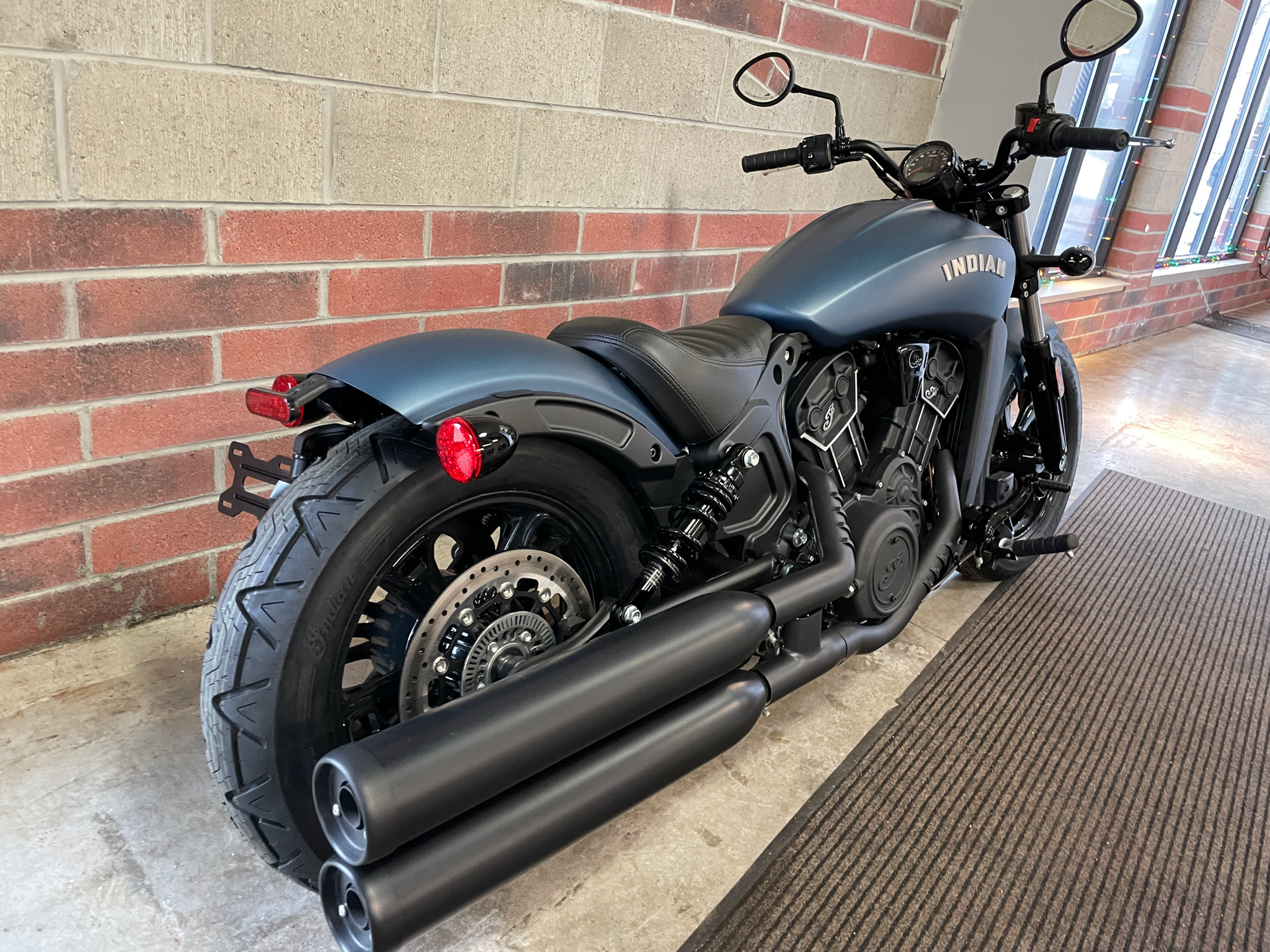 2021 Indian Scout® Bobber Sixty ABS in Muskego, Wisconsin - Photo 8