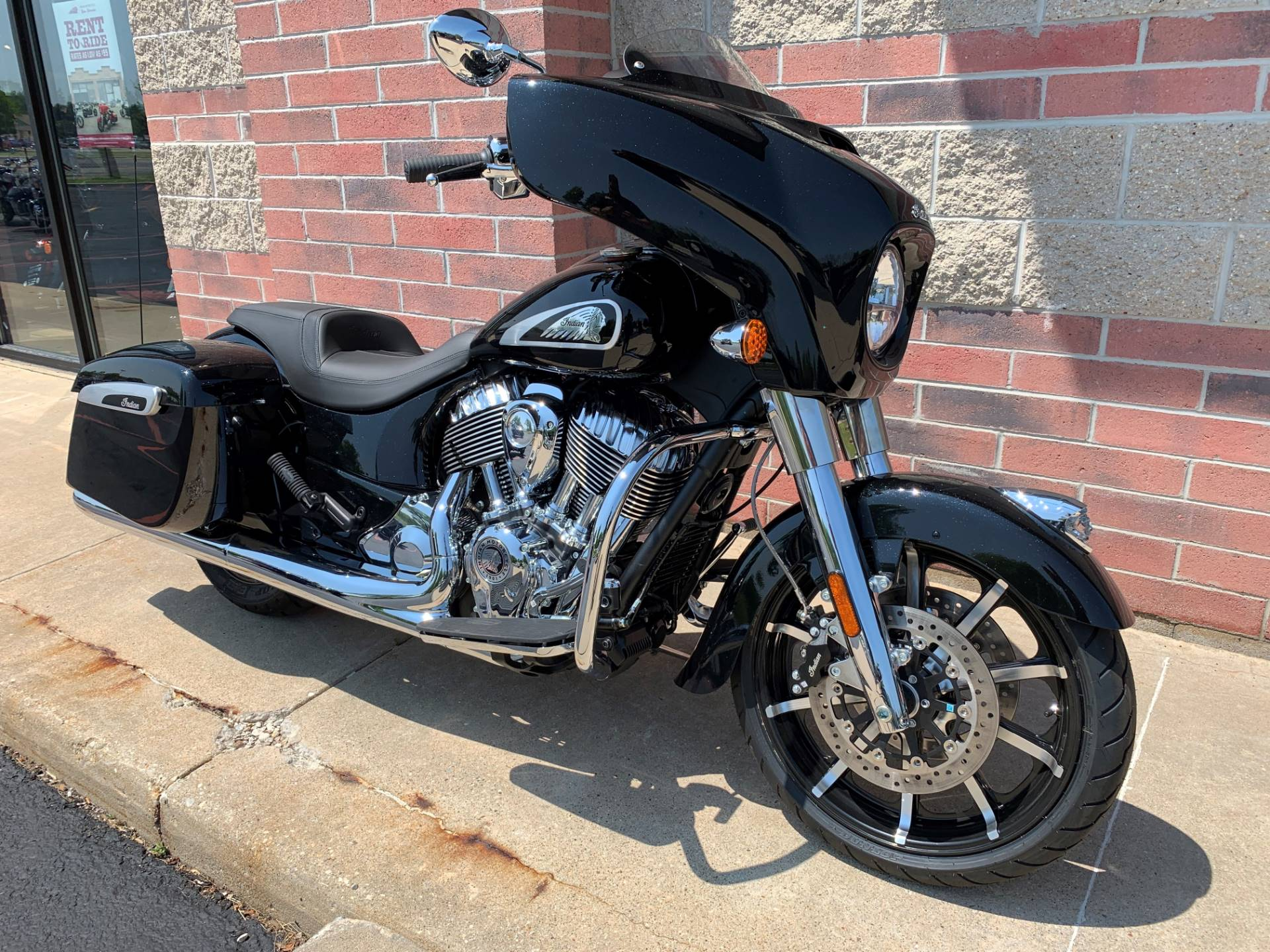 2019 Indian Chieftain® Limited ABS in Muskego, Wisconsin - Photo 2