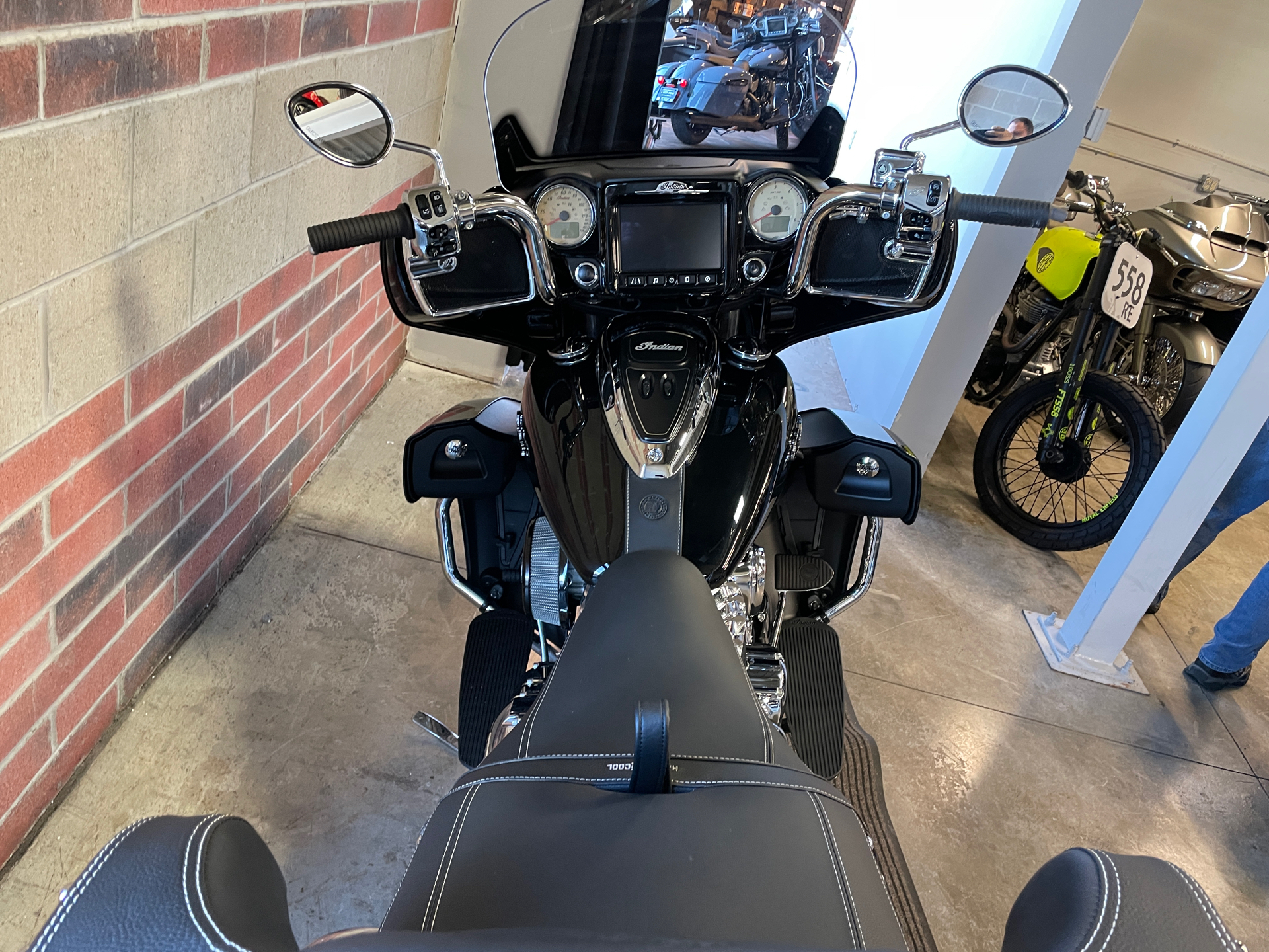 2019 Indian Roadmaster® ABS in Muskego, Wisconsin - Photo 14