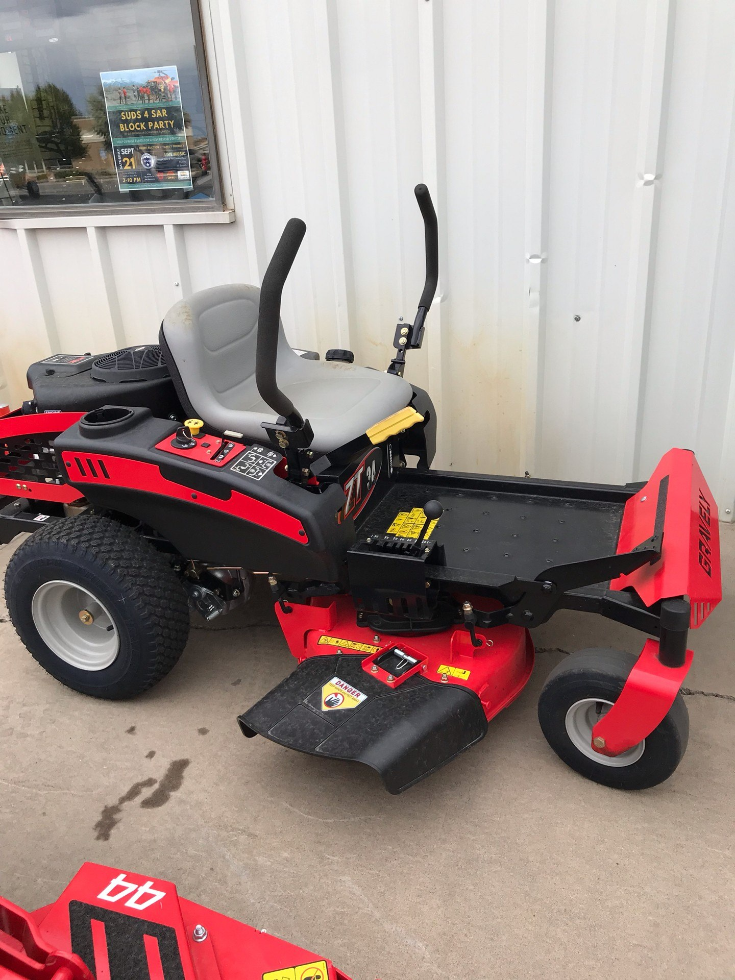 Ariens GRAVELY ZERO TURN 34 in Alamosa, Colorado - Photo 1