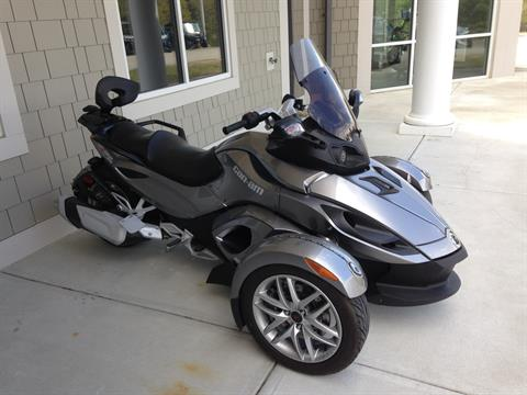 2013 Can-Am Spyder RS SM5 in Barre, Massachusetts
