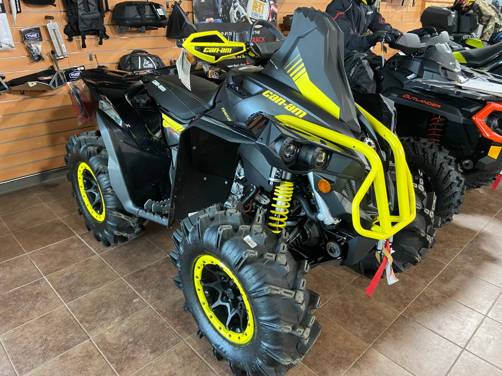 2018 Can-Am Renegade X MR 1000R in Barre, Massachusetts - Photo 5