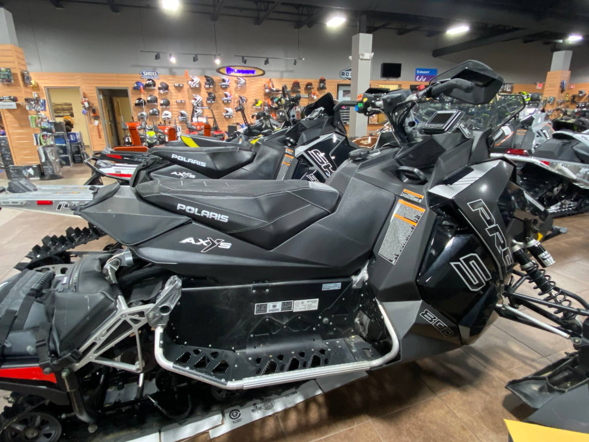 2016 Polaris 800 RUSH PRO-S LE in Barre, Massachusetts - Photo 4