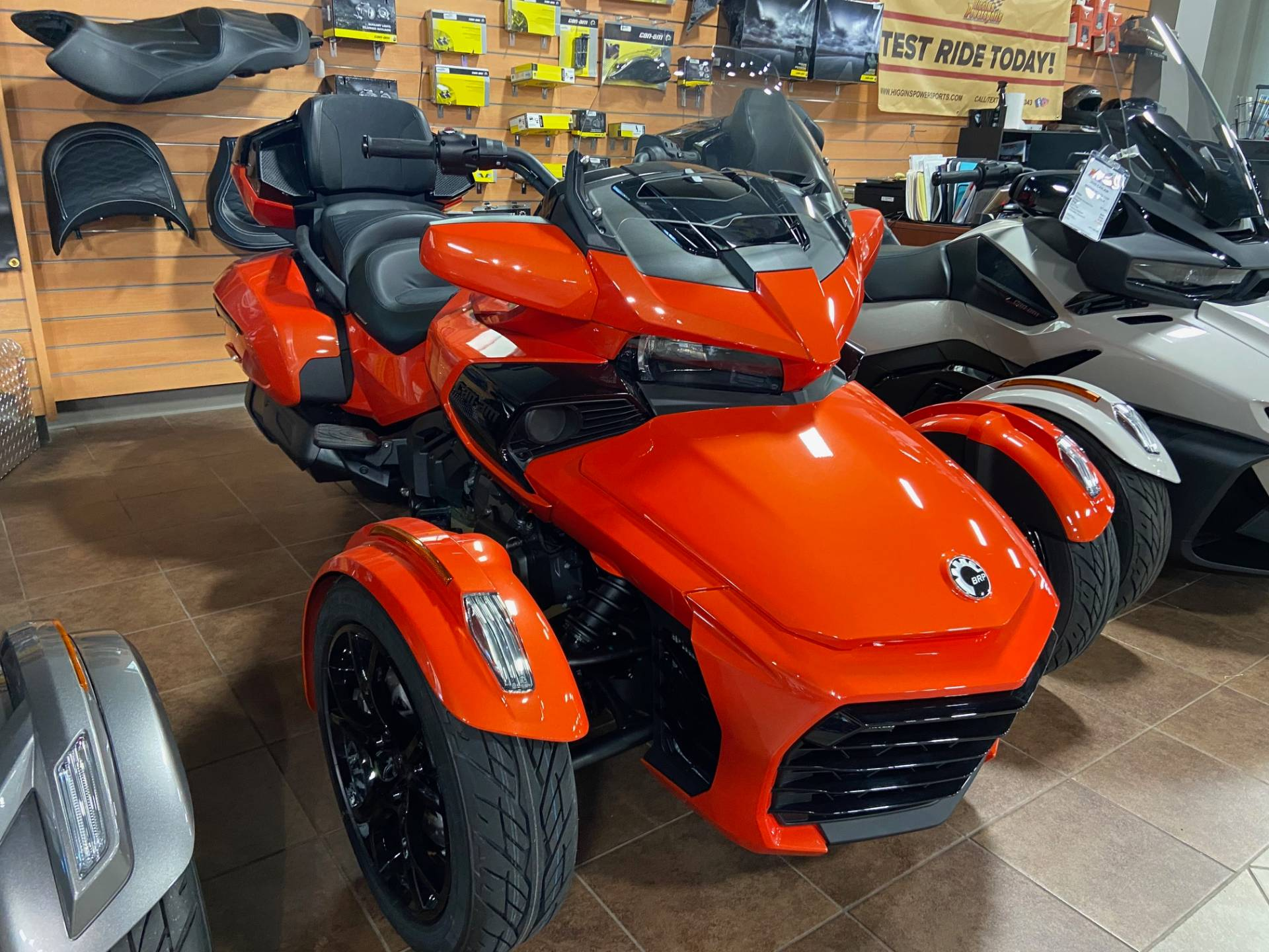 2020 Can-Am Spyder F3 Limited in Barre, Massachusetts - Photo 2